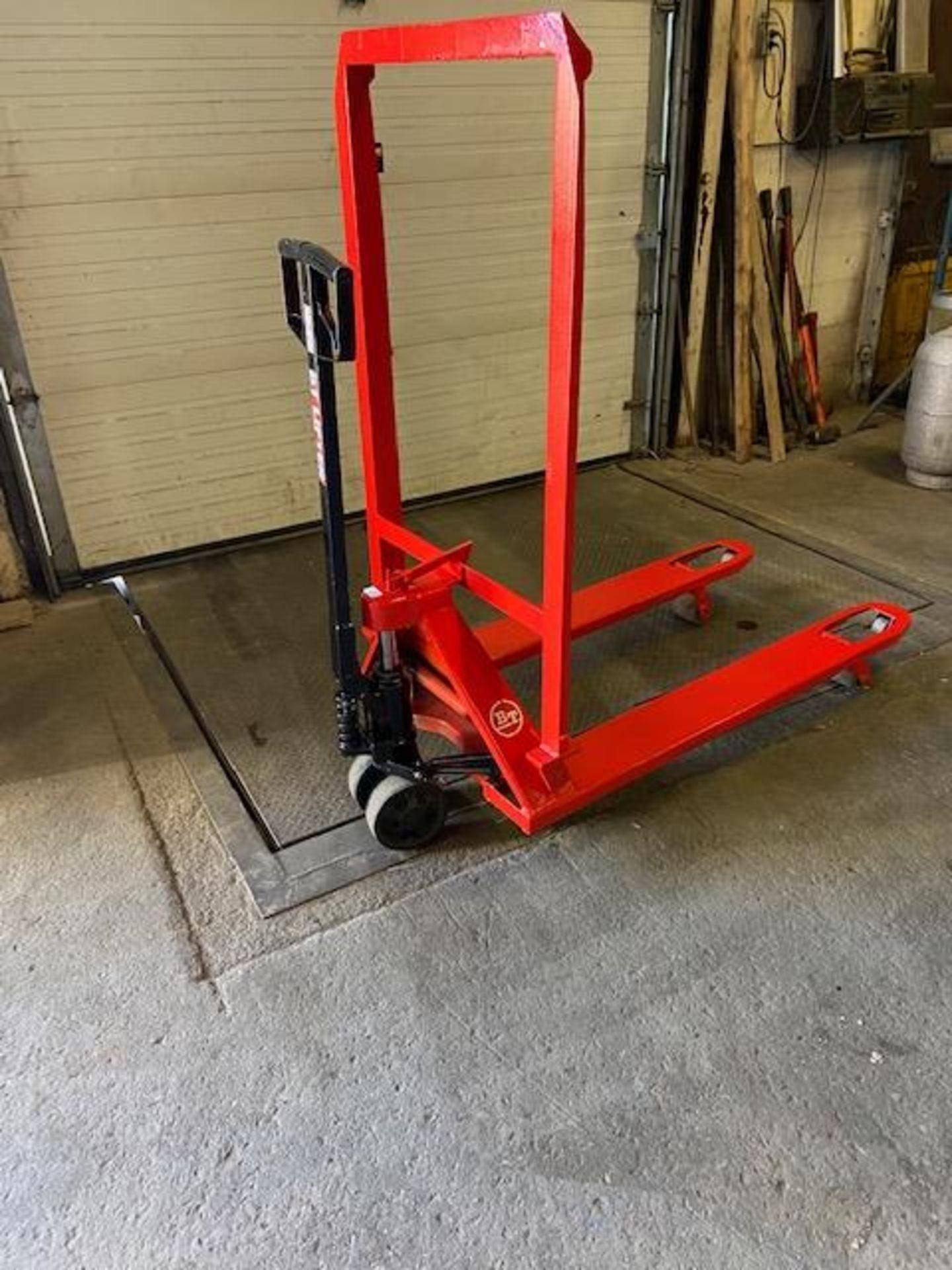 BT Hydraulic Pump Cart 5000lbs capacity NICE UNIT