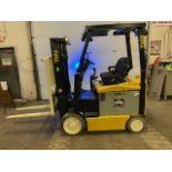 FREE CUSTOMS - 2009 Yale 5000lbs Capacity Forklift Electric with 3-STAGE MAST with sideshift
