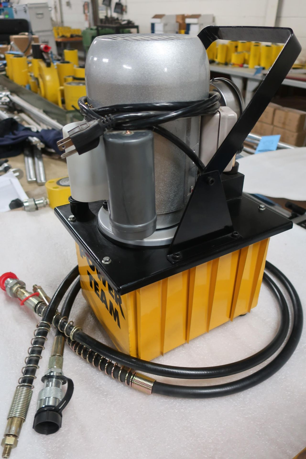 Power Team Hydraulics Electric Powerpack type - 120V single phase hydraulic pump - UNUSED & MINT