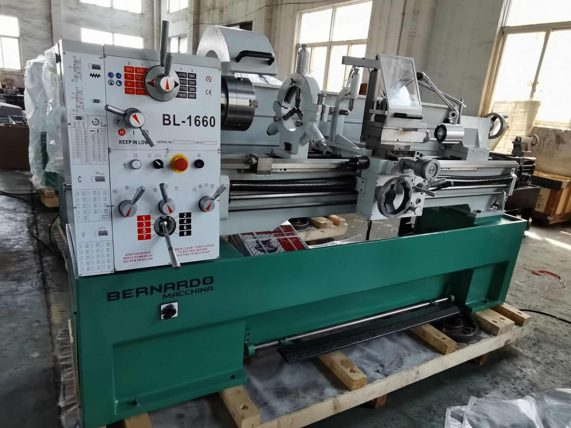 """Bernardo Macchina Engine Lathe model BL1660 - 16"""" Swing with 60"""" Between Centres - complete with DRO - Image 4 of 4"""