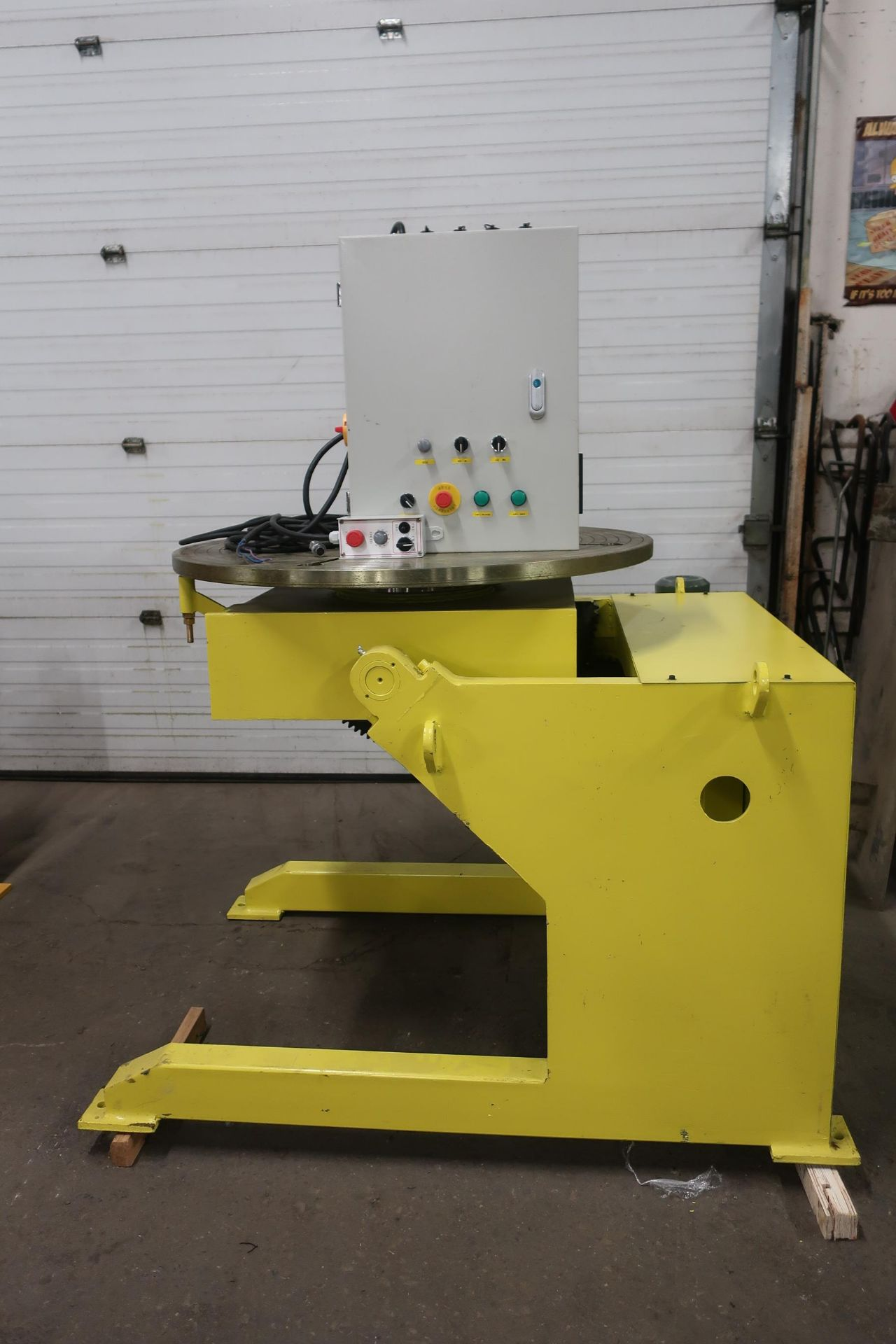 Verner model VD-2500 WELDING POSITIONER 2500lbs capacity - tilt and rotate with variable speed drive - Image 2 of 3