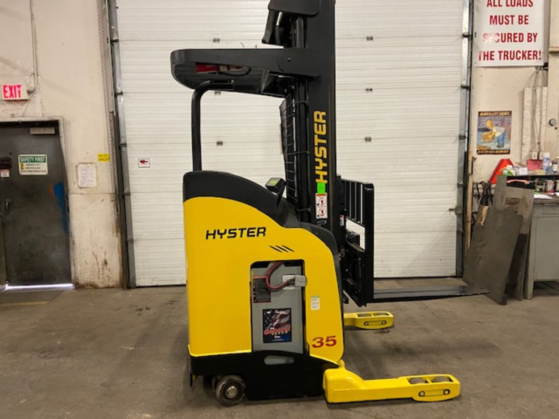 FREE CUSTOMS - Hyster Reach Truck Pallet Lifter REACH TRUCK electric 3500lbs with sideshift 3-