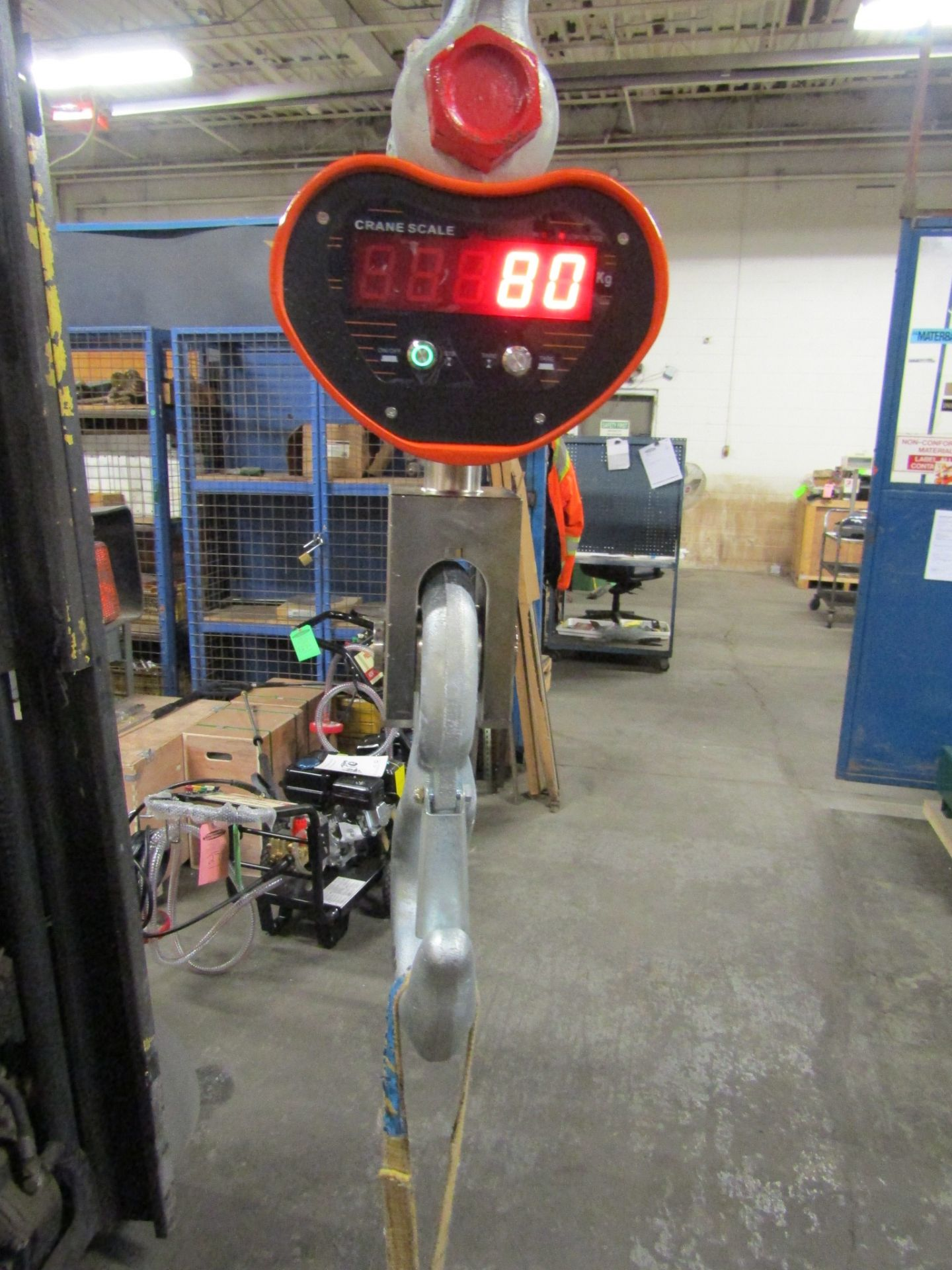 Hanging MINT Digital Crane Scale 40,000lbs 20 ton Capacity - complete with remote control and - Image 2 of 3