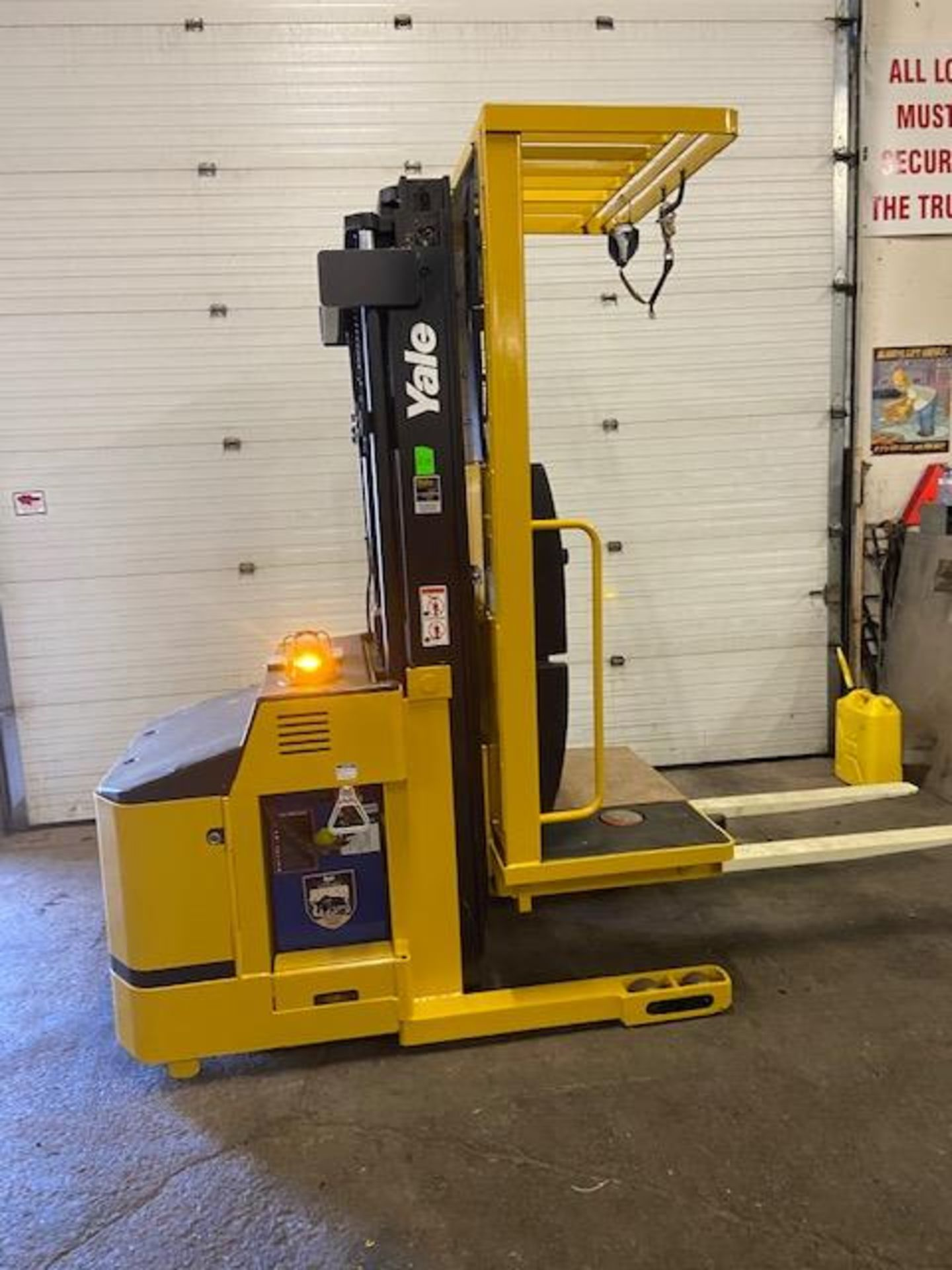 FREE CUSTOMS - Yale Order Picker Electric Powered Pallet Cart Lifter