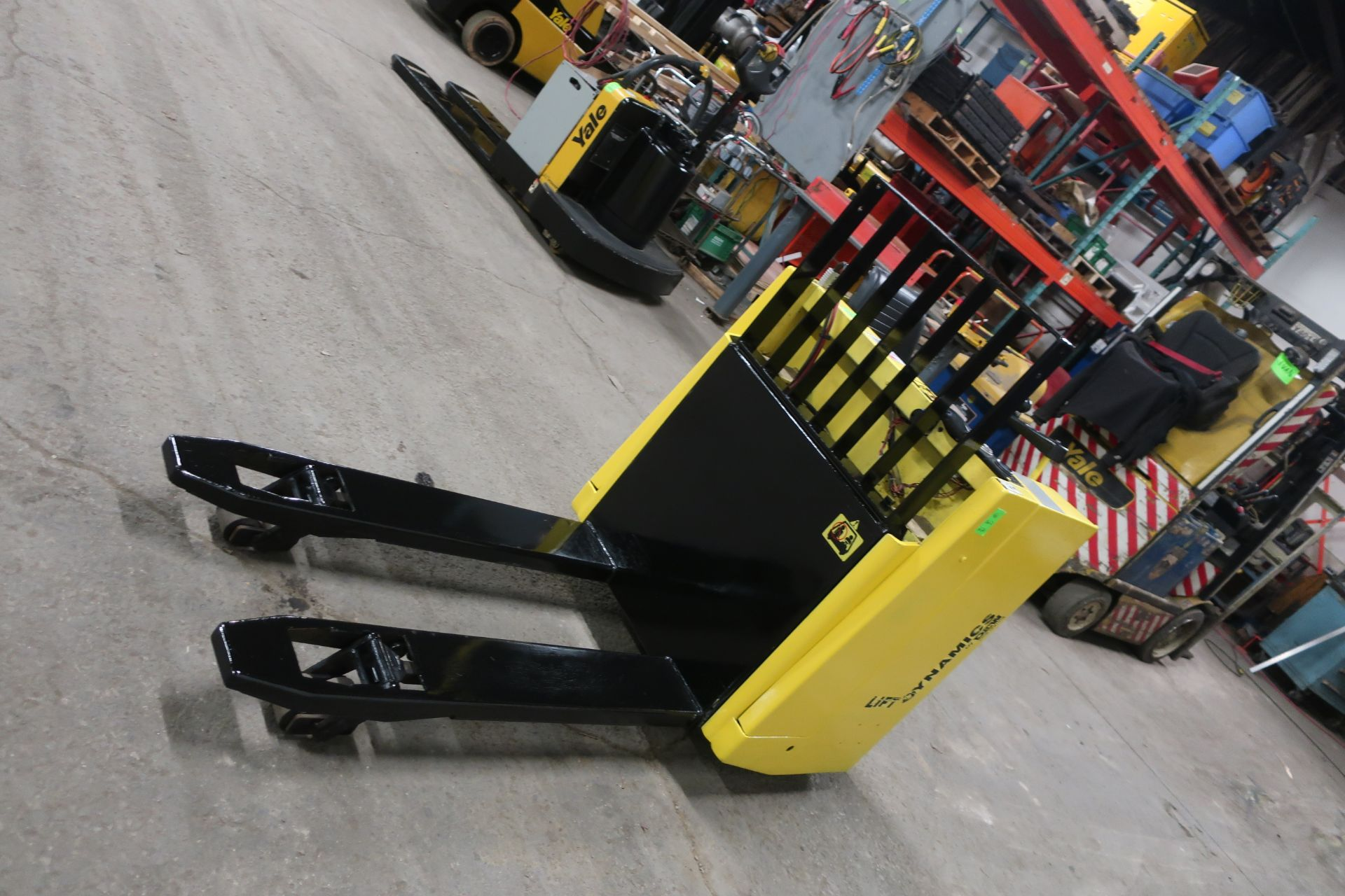 Dynamics Lift Sit down Electric Ride on Powered Pallet Cart Lift 6000lbs capacity safety into 2021 - Image 3 of 3