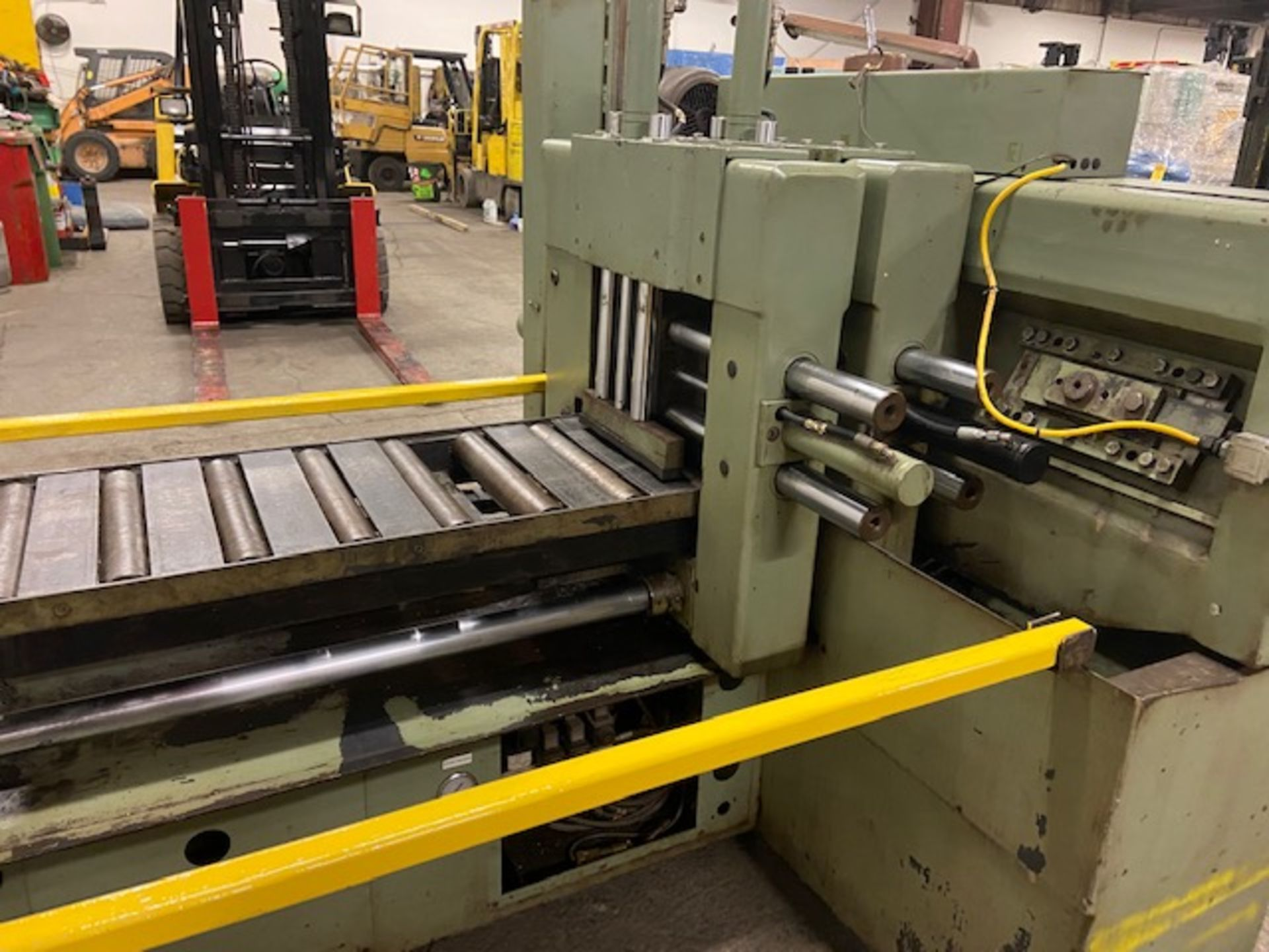 Hyd-Mech H-12A Fully Automatic Horizontal Bandsaw - with automatic clamping and bundling and - Image 4 of 5
