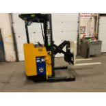 FREE CUSTOMS - Yale Reach Truck Pallet Lifter REACH TRUCK electric 4000lbswith sideshift 3stage mast