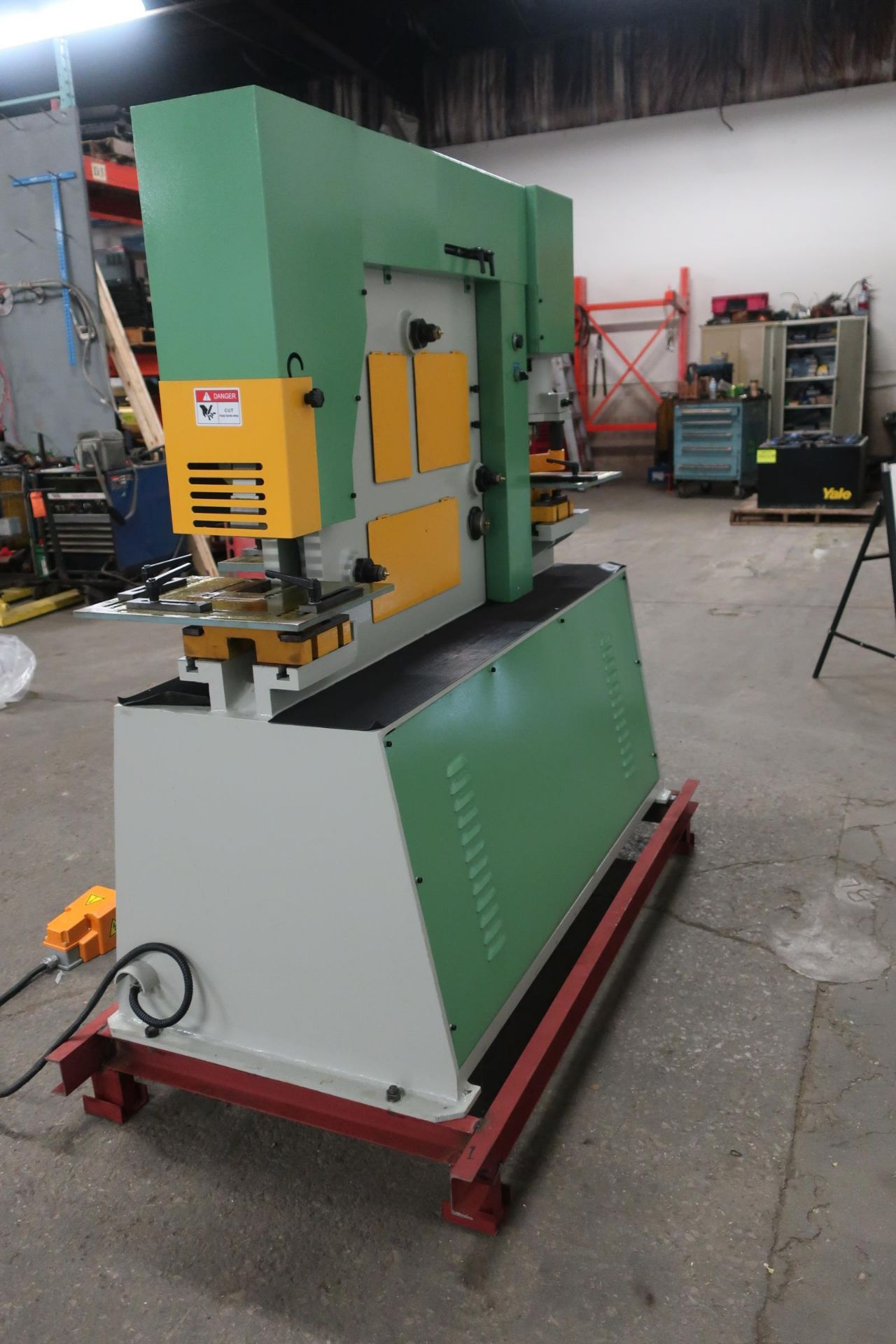 Bernardo Macchina 65 Ton Capacity Hydraulic Ironworker - complete with dies and punches - Dual - Image 3 of 3