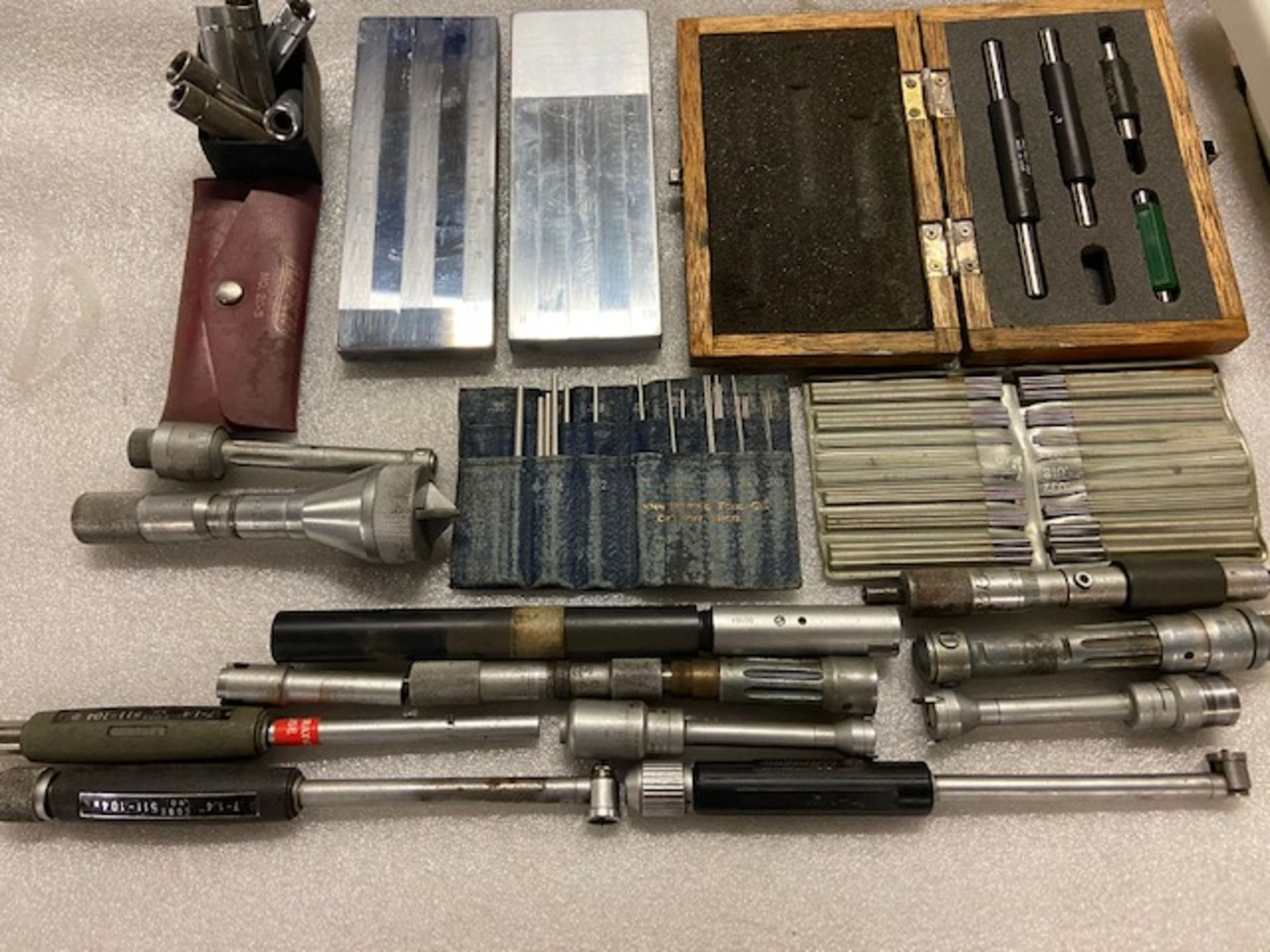 Large Lot of Mitutoyo and more Inspection Precision Equipment - Bore micrometers, standard