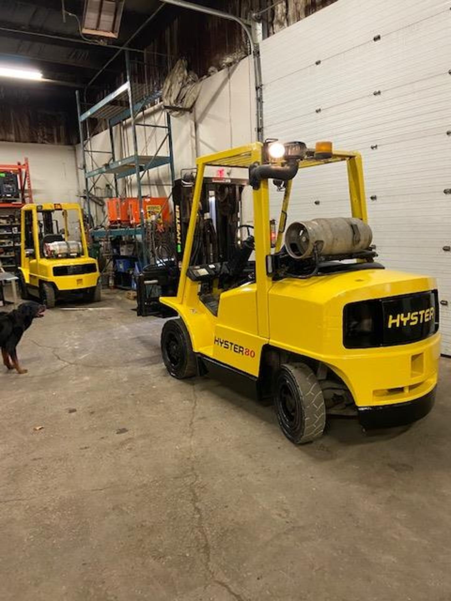 FREE CUSTOMS - Hyster 8000lbs OUTDOOR Forklift with sideshift fork positioner & 3-stage mast LPG - Image 3 of 3