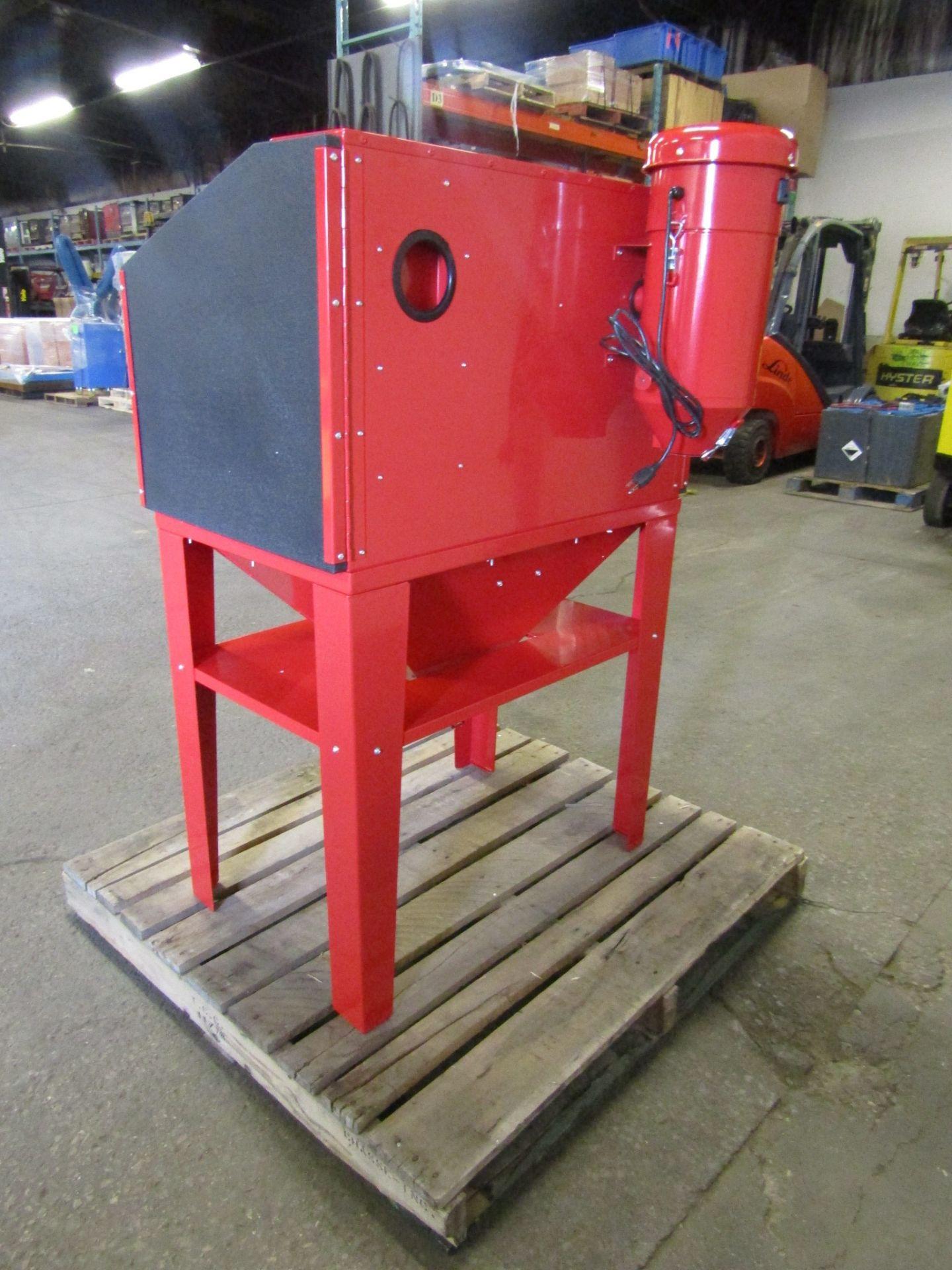 "BRAND NEW OMNI Sandblast Cabinet with Dust vacuum unit - 125PSI working space 24"" X 33"" X 25"" - Image 2 of 2"