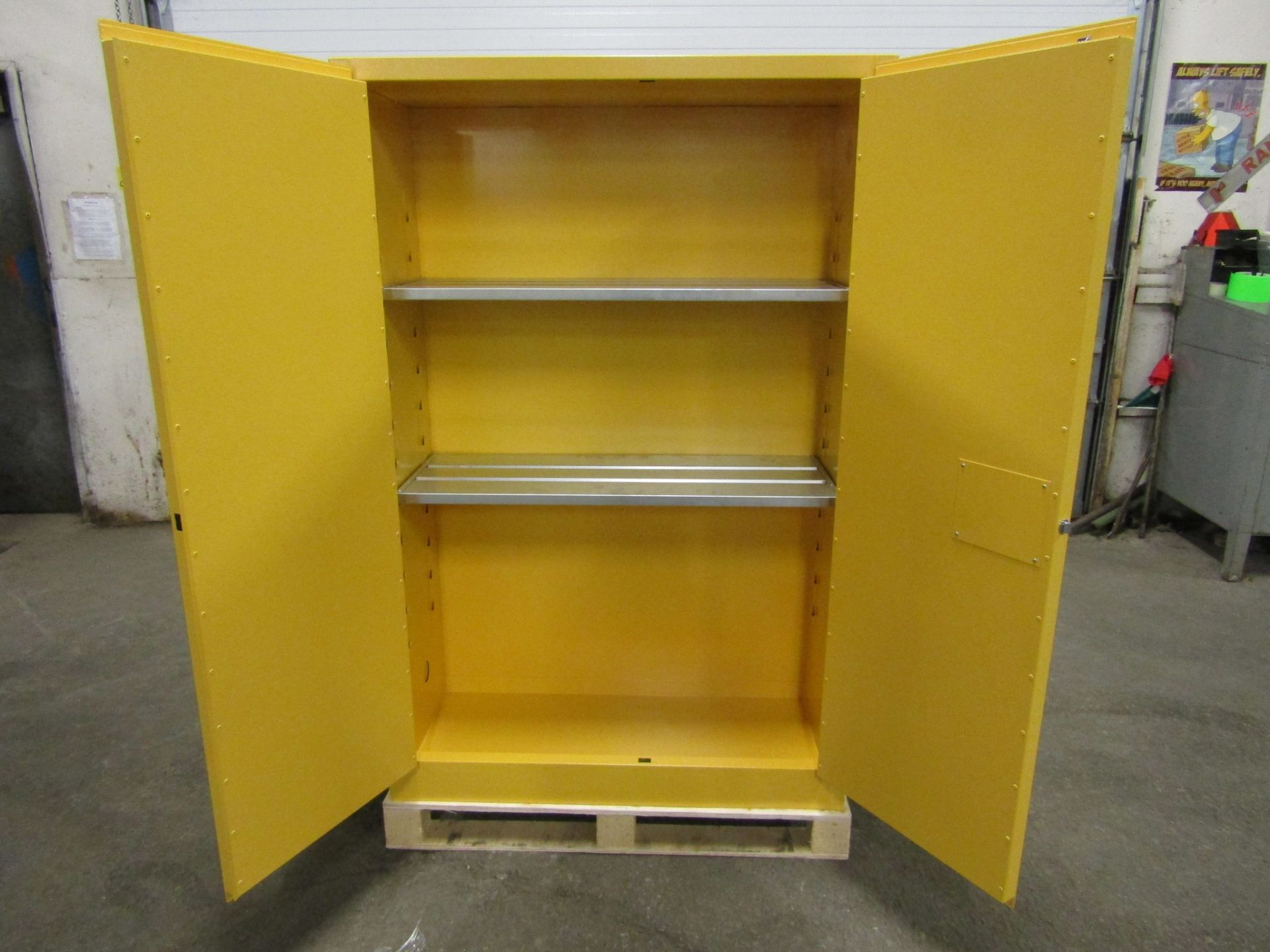 MINT Flammable Safety Fire cabinet with 2 shelves storage with LOCK - Image 2 of 2