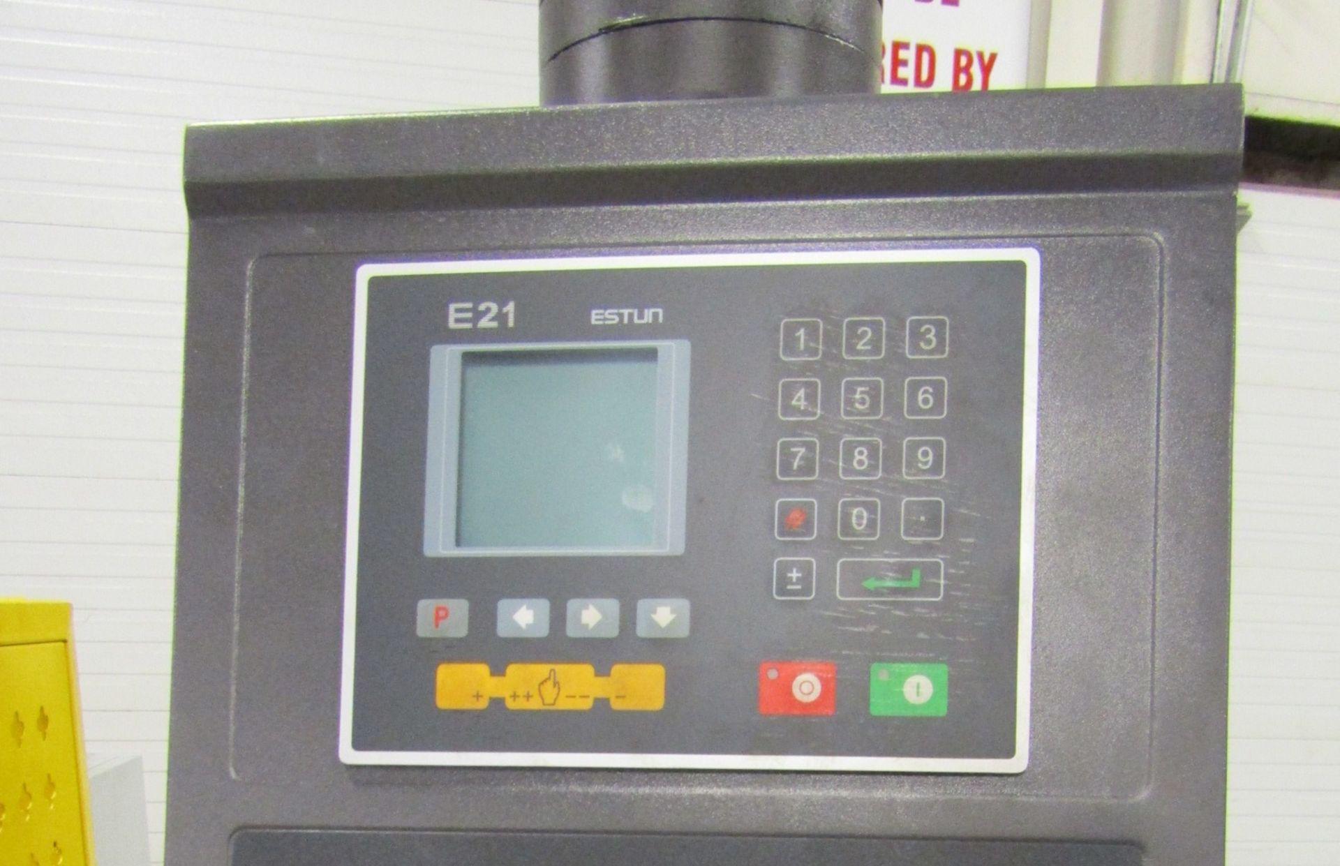 "Bernardo Hydraulic Press Brake 63 ton capacity 80"" bed - 480/575V 3 phase with CNC back gauge and - Image 2 of 3"