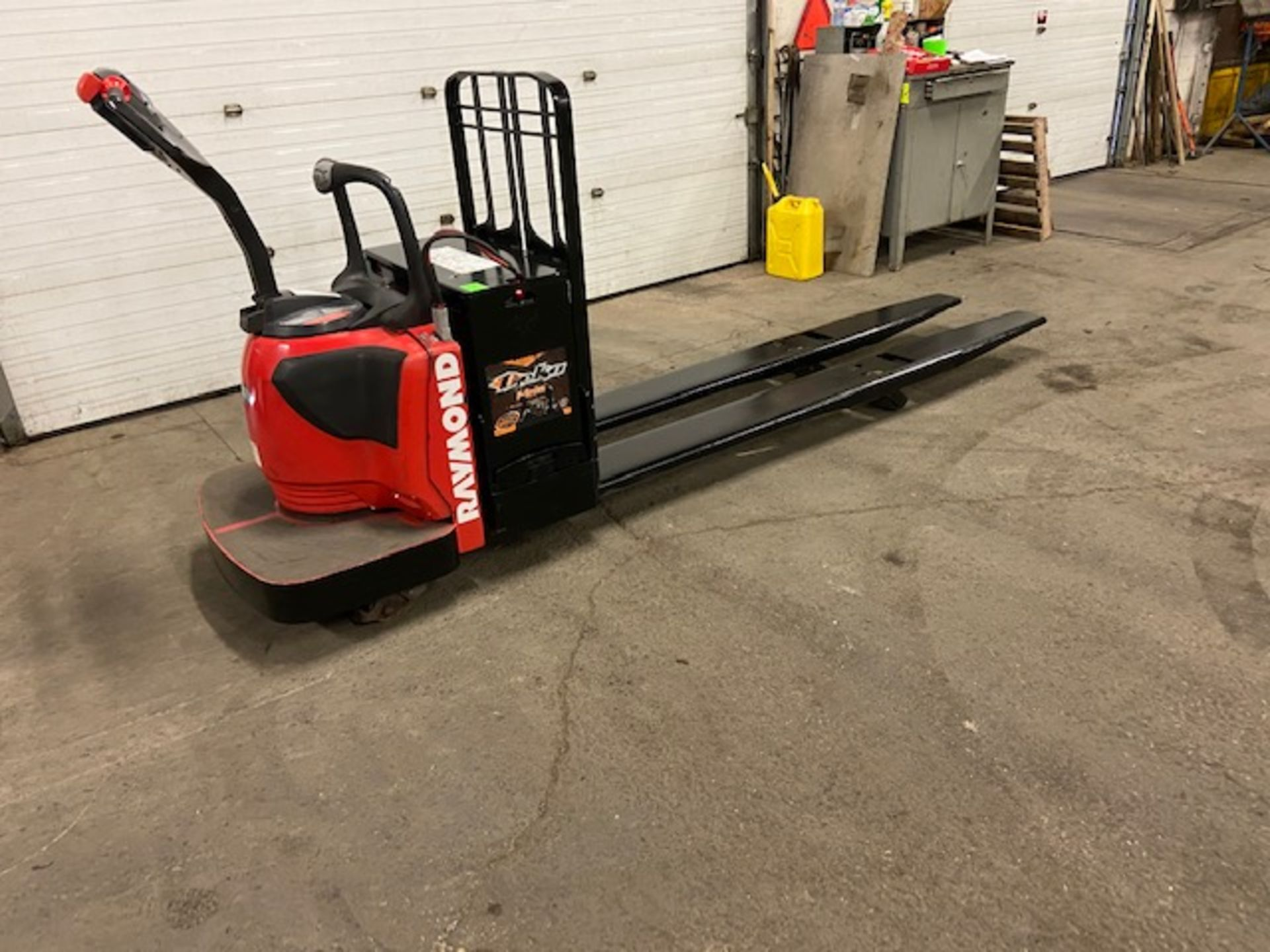 2012 Raymond Electric Ride on Powered Pallet Cart Lift 8000lbs capacity 8' Long LOW HOURS