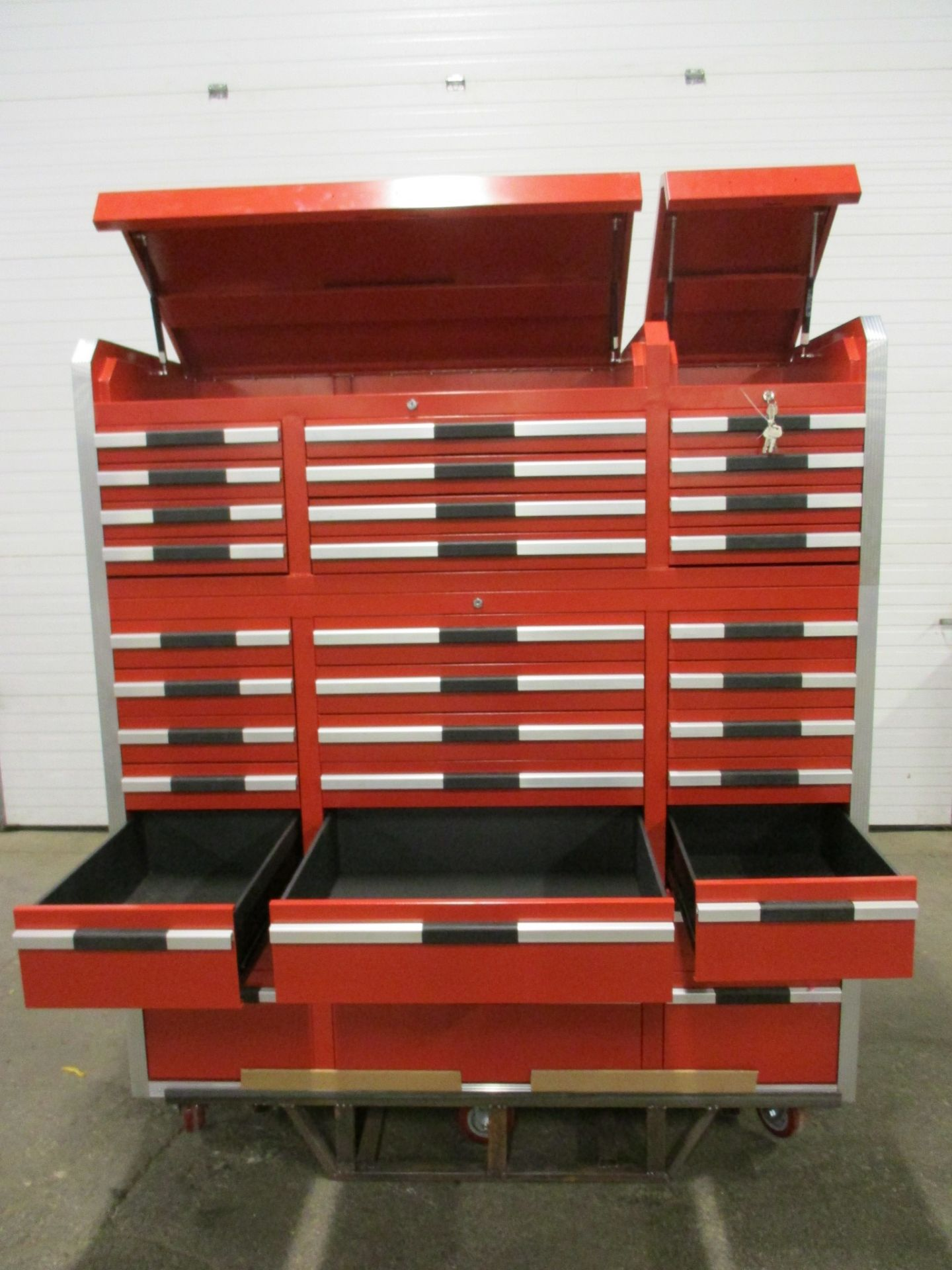 Lista Style Smooth Rolling Mechanic Cabinet with 33 Drawers - complete with lock & keys