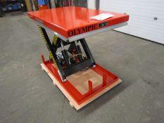 "HW Hydraulic Lift Table 32"" x 52"" x 40"" lift - 4000lbs capacity - UNUSED and MINT - 115V"