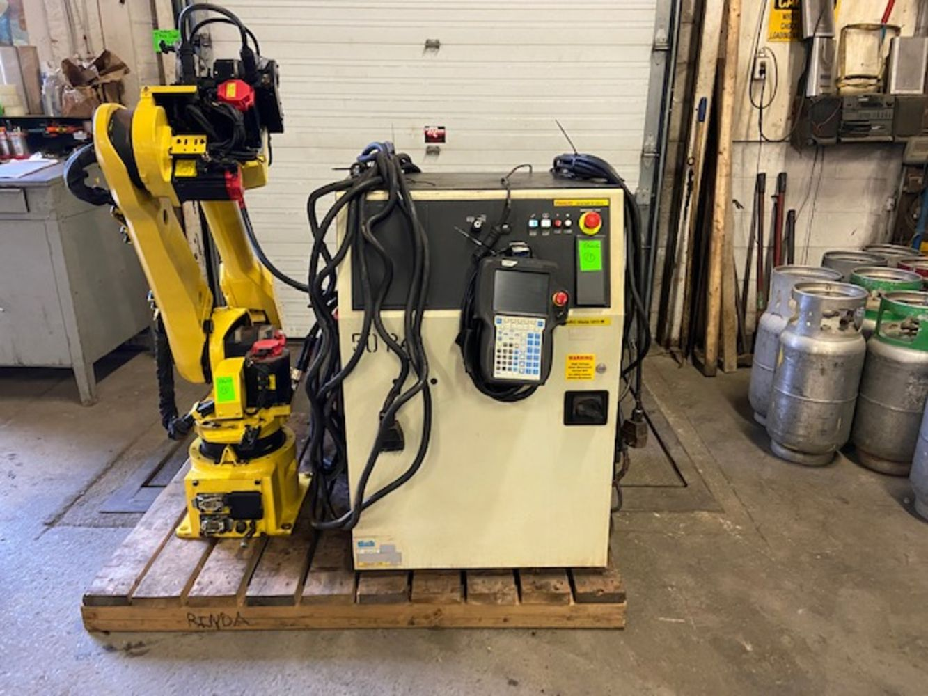 Auction of Global Welding Specialist – MINT Weld Robots, Forklifts, Mfg, Cabinets, Fab, Hoists & More ***NEW LOTS ADDED DAILY