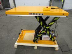 "HW Hydraulic Lift Table 32"" x 52"" x 40"" lift - 2000lbs capacity - MINT - 115V"