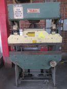 Di-Acro Hydra-Mechanical Press Brake 17 Ton x 4'. LOADING FEE FOR THIS LOT: $325