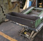 Southworth Hydraulic Lift Table 2,000 Lbs. x 46'' x 52''. LOADING FEE FOR THIS LOT: $100