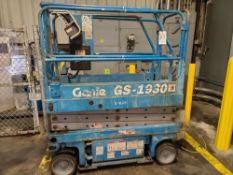 Genie mod. GS-1930, Electric Scissor Lift w/ Built-In Charger