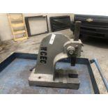 Manual arbor press