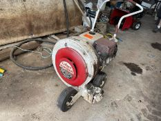 Little Wonder high output power blower, has compression