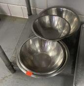 Lot of 55 mixing bowls