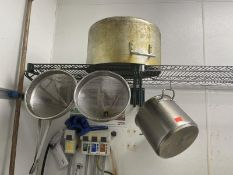 Lot of 2 pots & 2 strainers
