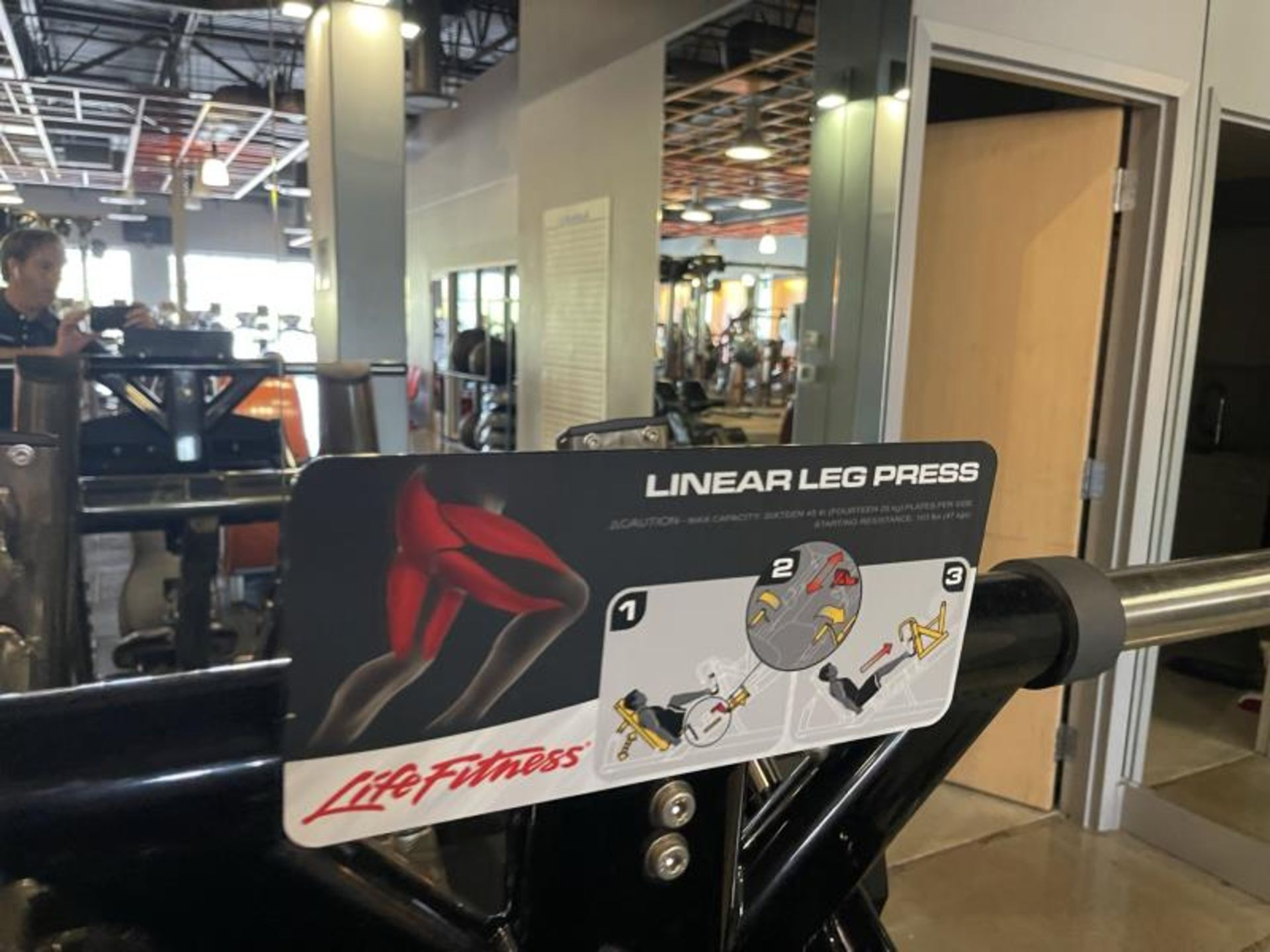 Life Fitness Linear Leg Press with Iron Grip Weighted Plates M: SPLLLP - Image 9 of 9