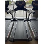 Life Fitness Treadmill M: 95T with Flex Deck, Shock Absorption System SN: TET106286