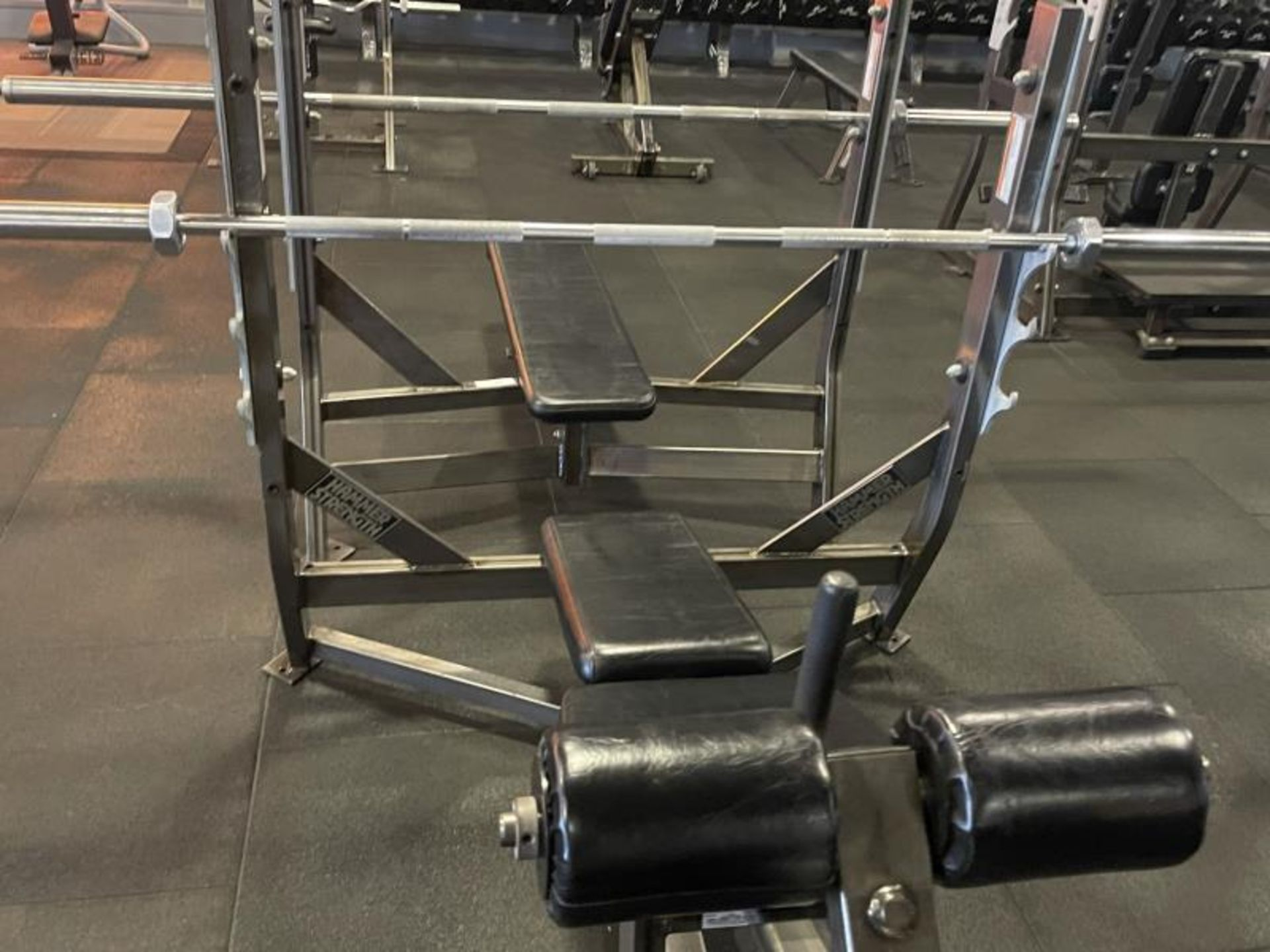 Hammer Strength Olympic Decline Bench with Bar ODB-A03 - Image 4 of 6