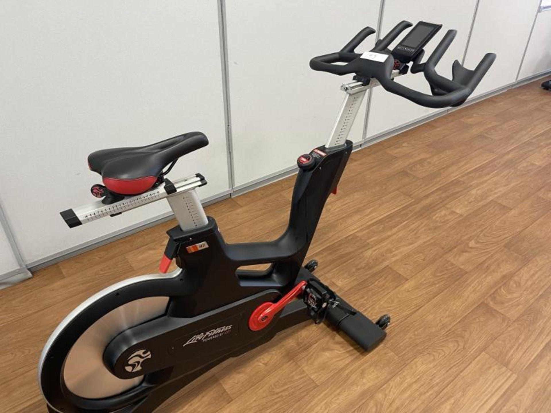 2018 Life Fitness IC7 Spin Bikes M: IC-LFIC7B2-01 - Image 2 of 5