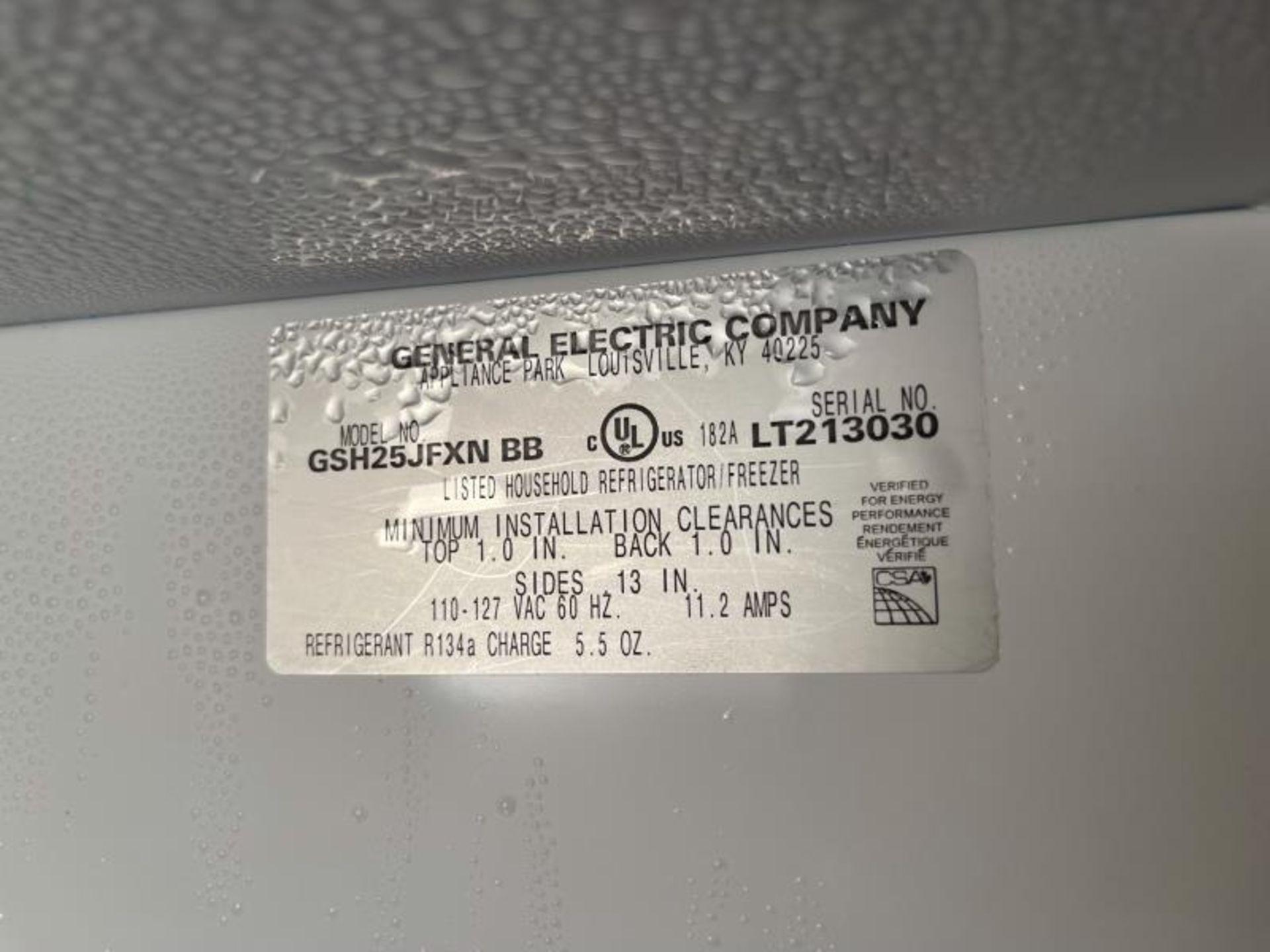Amana French Dorr Refrigerator with Ice Machine (Needs Refrigerator Door Gasket) M: GSH25JFYNDB - Image 5 of 5