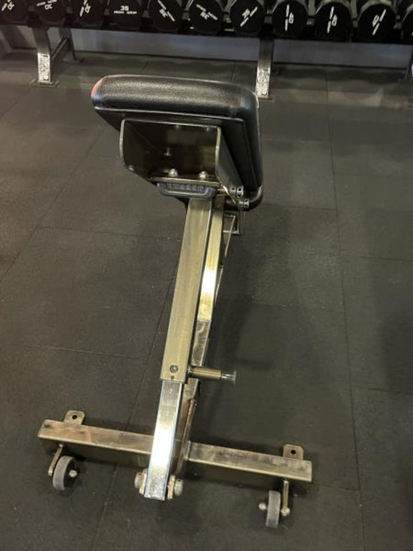Hammer Strength Adjustable Bench with Torn Vinyl - Image 4 of 4