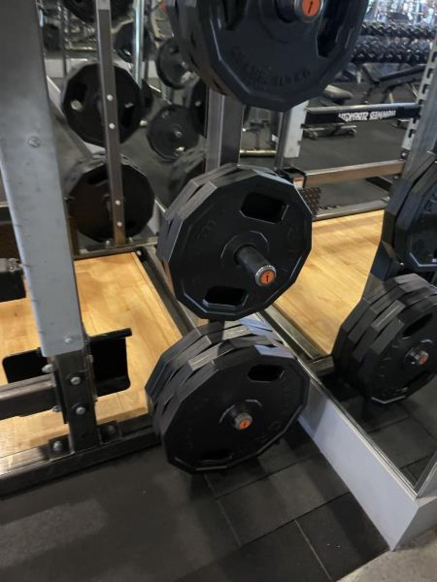 Hammer Strength with Wood Floor, Rack, Iron Grip Weight Plates M: HDMR8/B01 - Image 6 of 7