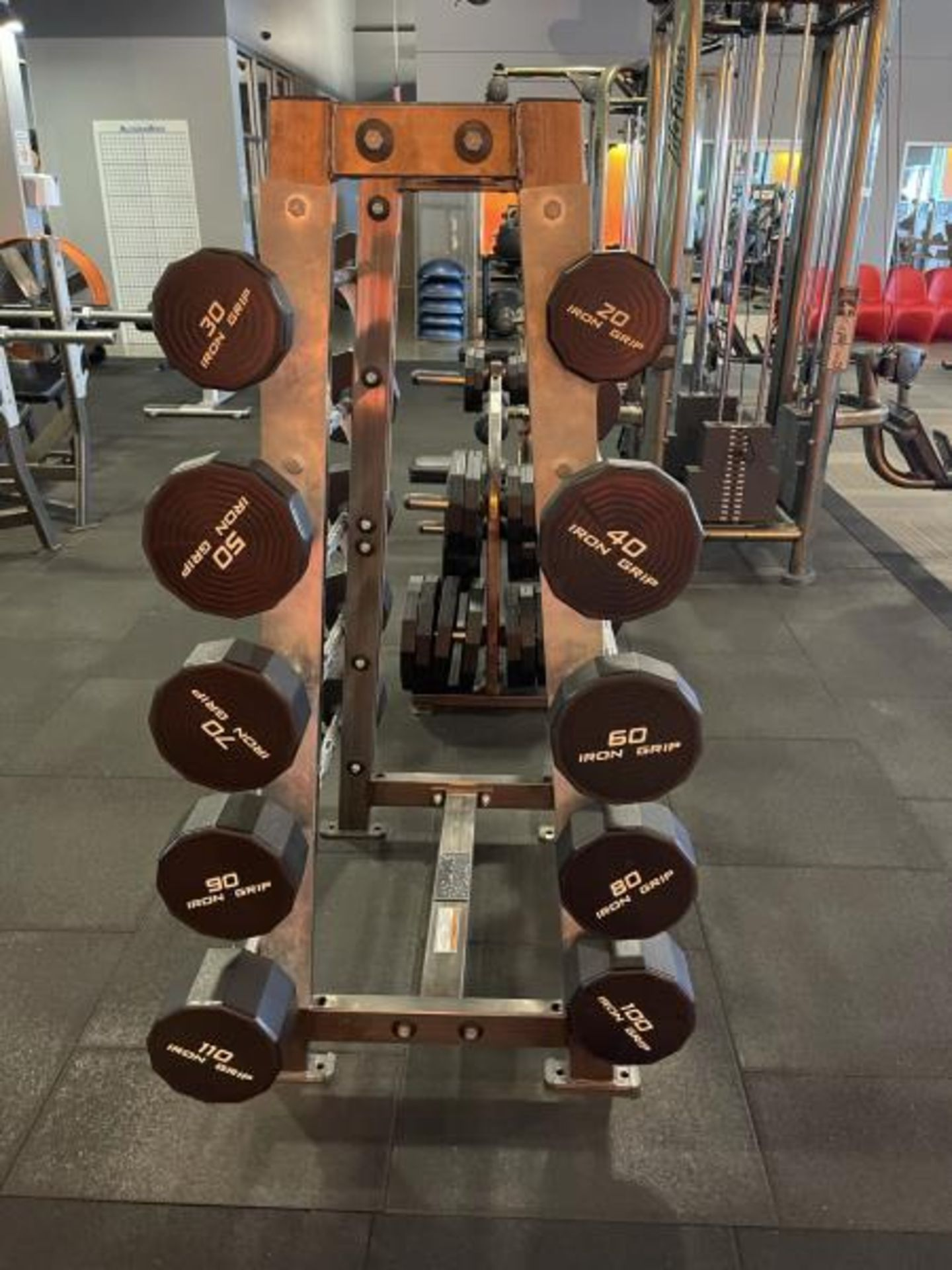 Hammer Strength A-Frame Rack with 10 Iron Grip Bars, 20-110#m M: FWBAR-A - Image 3 of 3