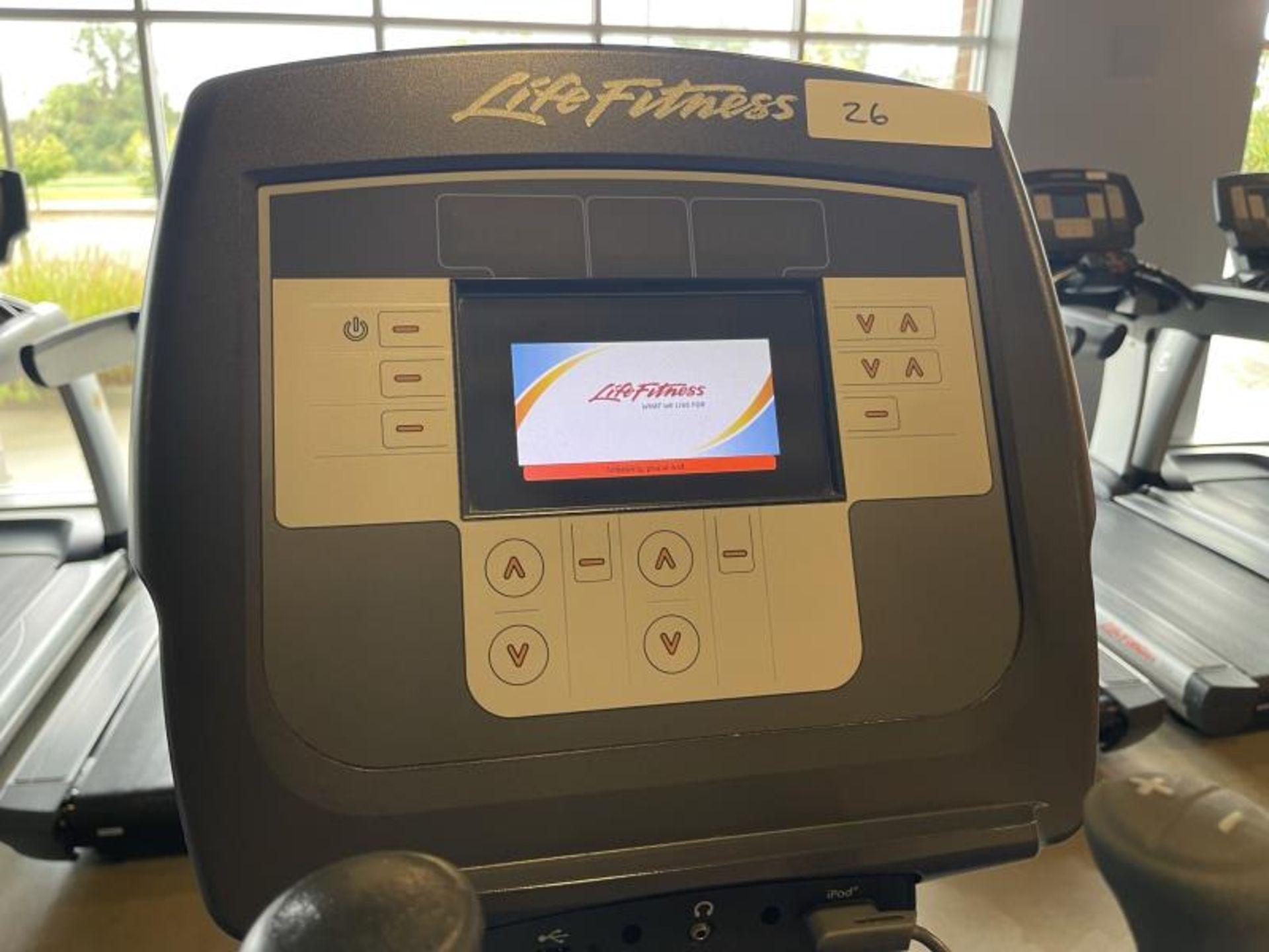Life Fitness Elliptical M: 95X - Image 3 of 5