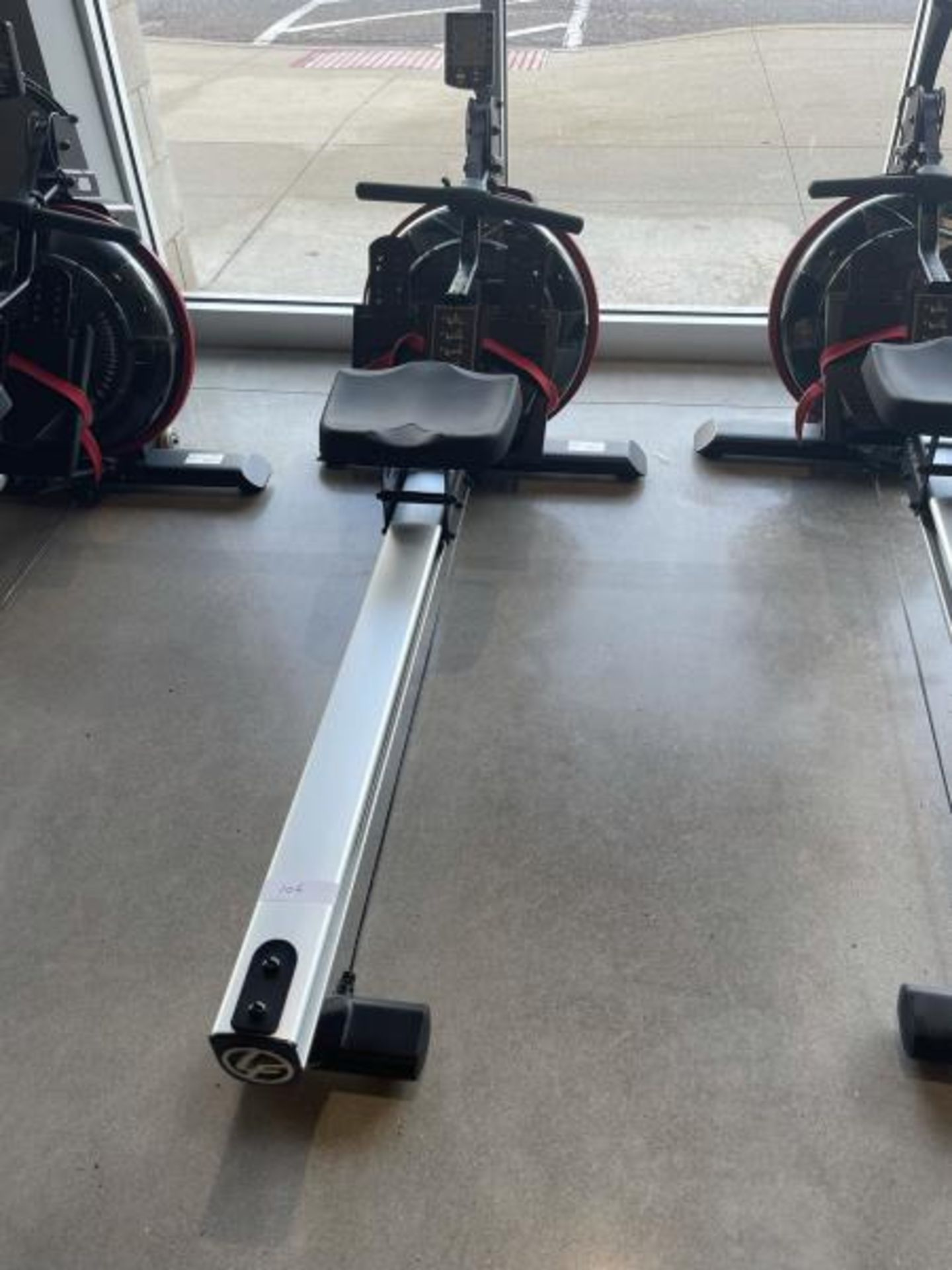 Life Fitness Rowing Machine M: GER-ALLLX-102