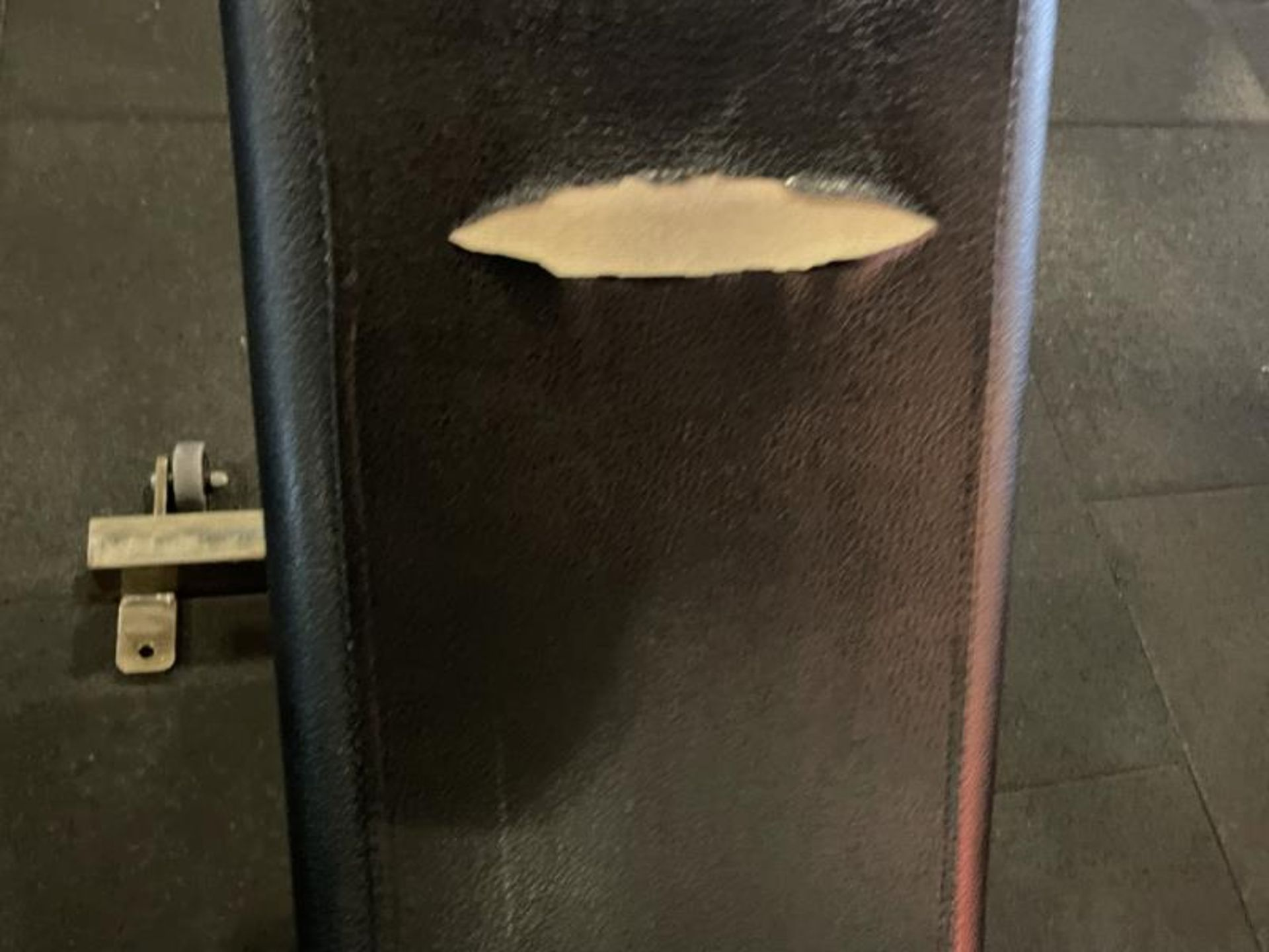Hammer Strength Adjustable Bench with Torn Vinyl - Image 3 of 4