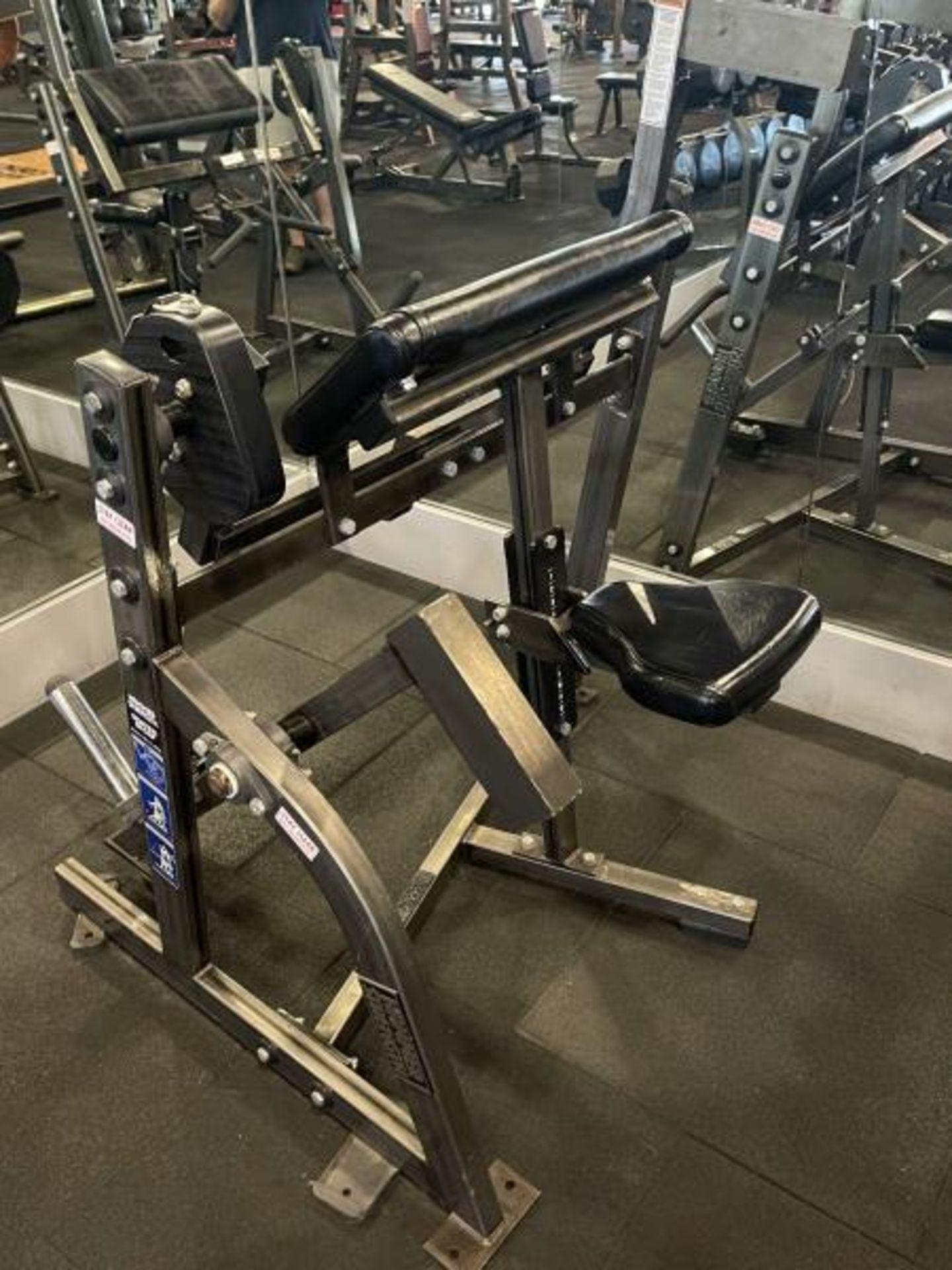 Hammer Strength Seated Bicep - Image 4 of 5