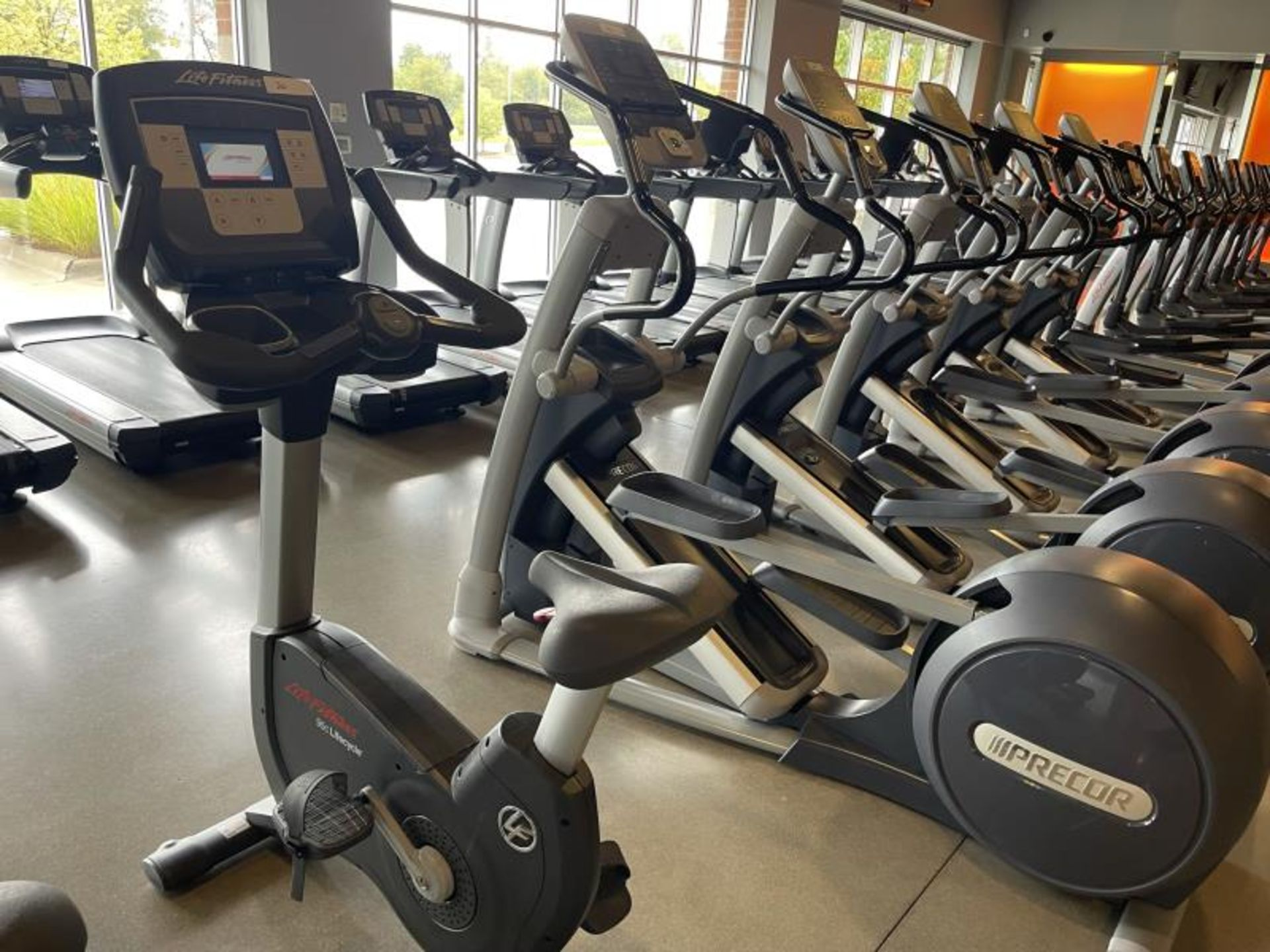 Life Fitness Exercise Bike M: 95CLifecycle, SN: CLV102815