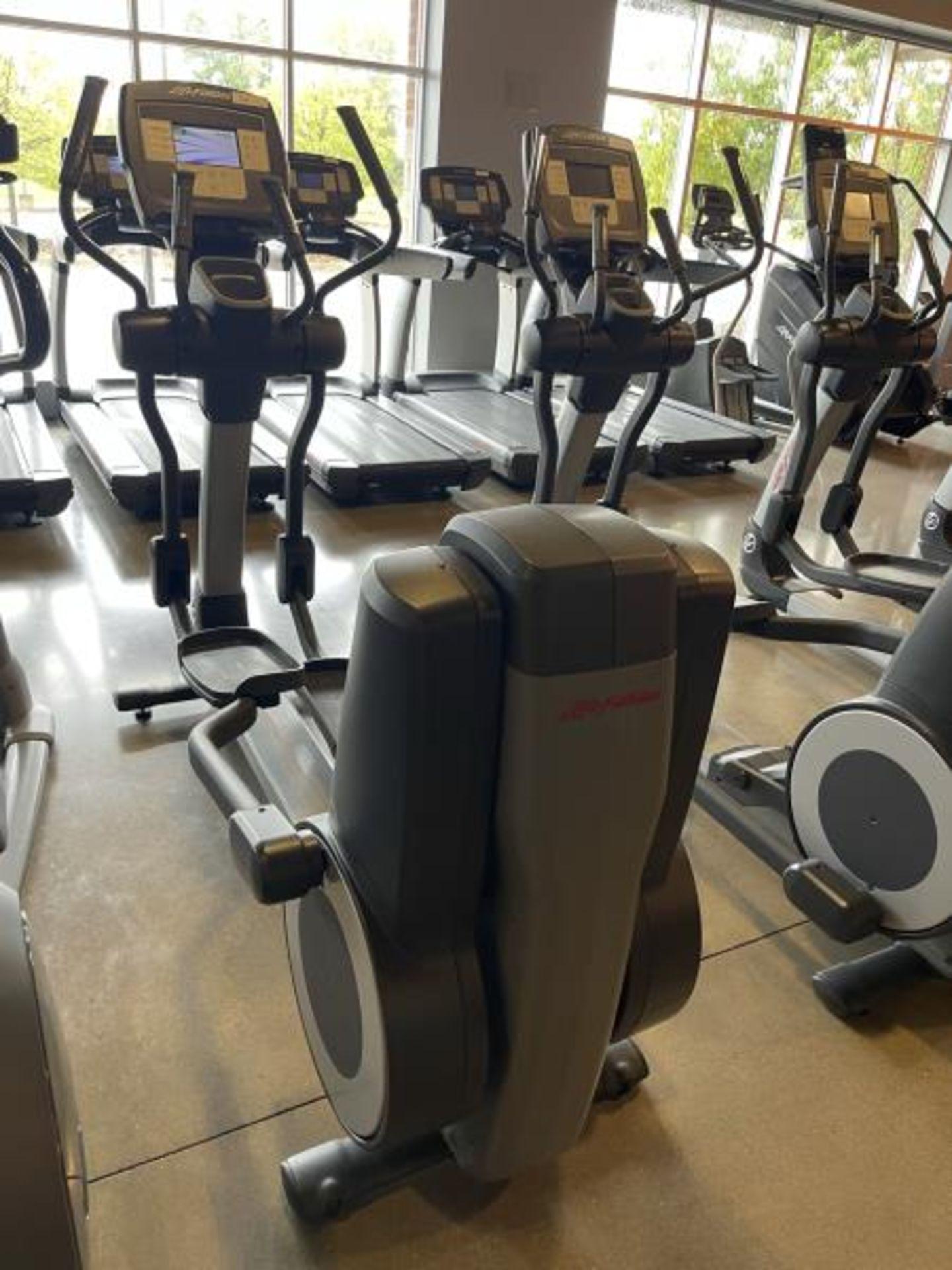 Life Fitness Elliptical M: 95X - Image 4 of 5