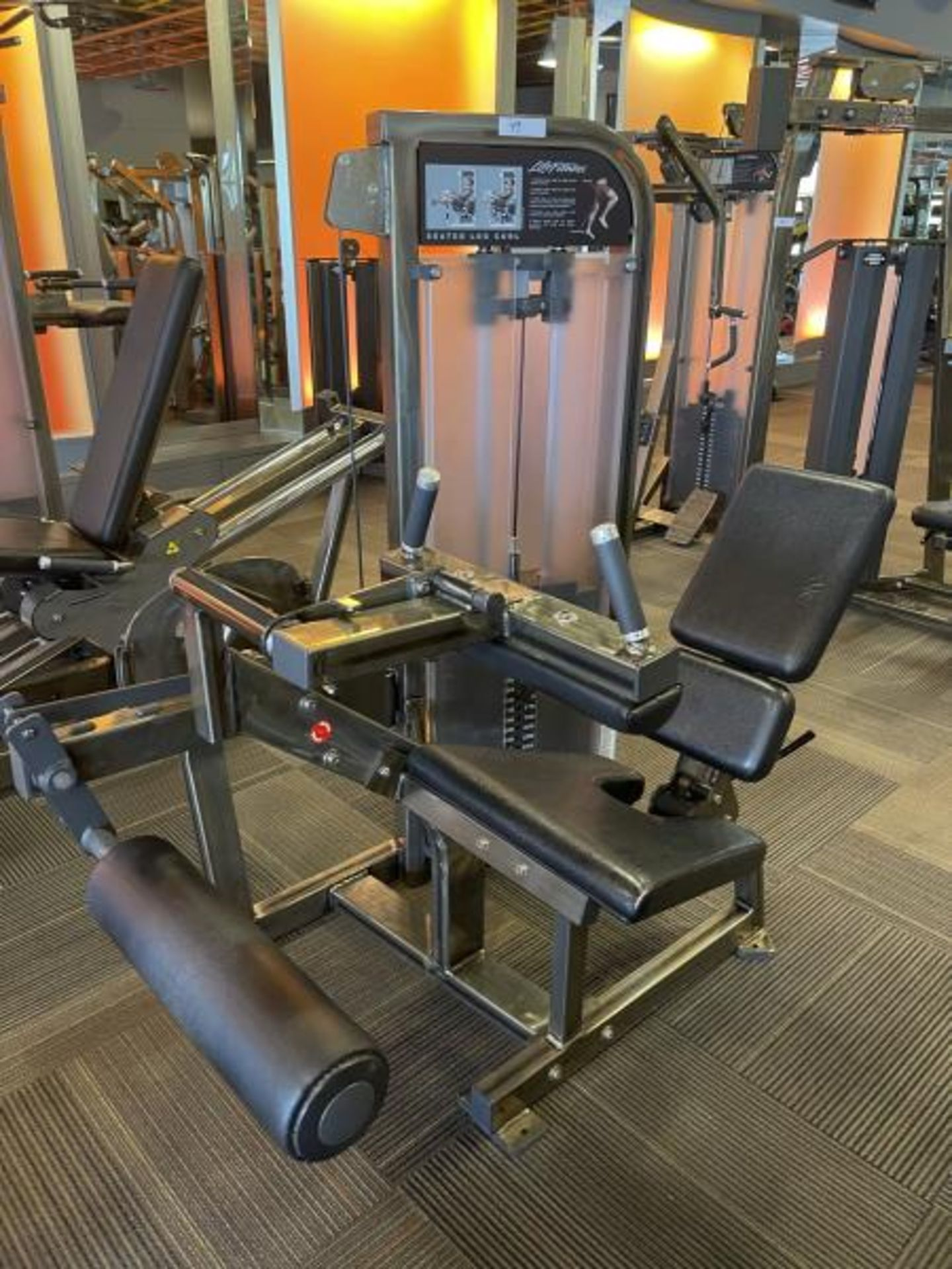 Life Fitness Seated Leg Curl M: PSSLCSE