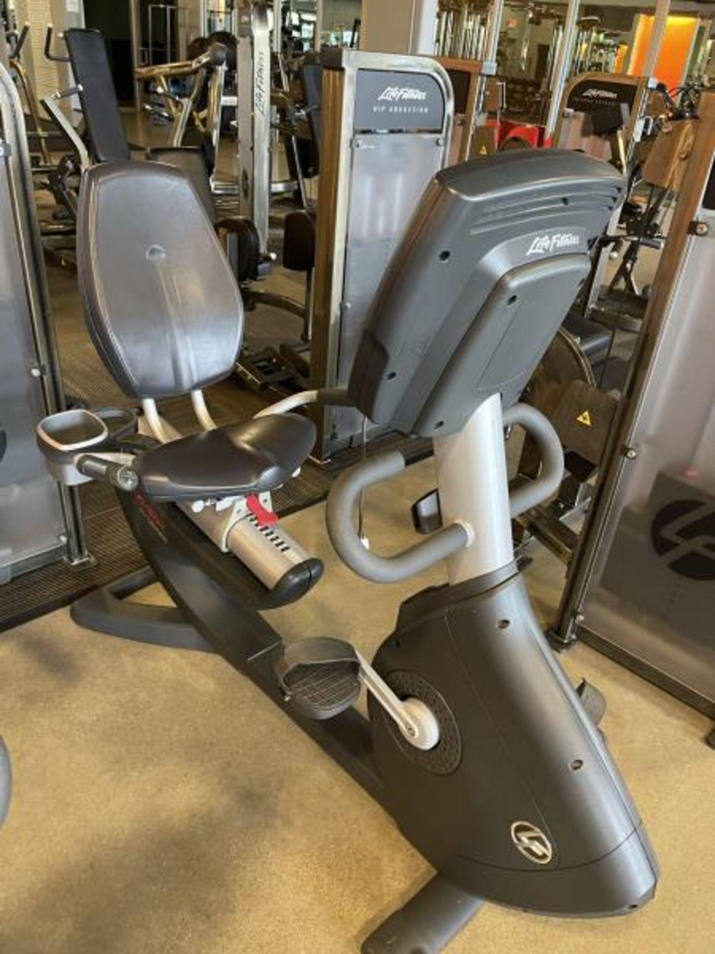 Life Fitness Lifecycle Recumbent Bike M: 95R - Image 2 of 5