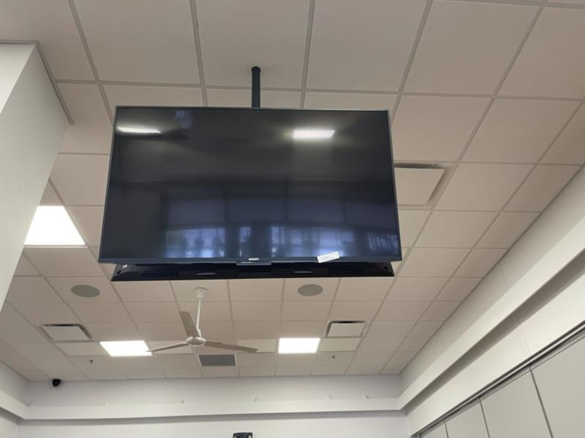 Lot of 2 Sony Flat Panel TV's, No Pole Mount, M: XBR-55X800E - Image 2 of 3