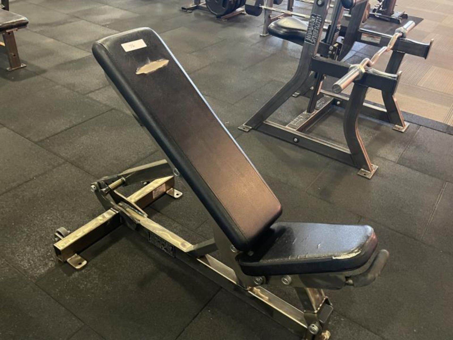 Hammer Strength Adjustable Bench with Torn Vinyl