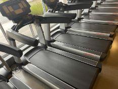 Life Fitness Treadmill M: 95T with Flex Deck, Shock Absorption System SN: TET108400