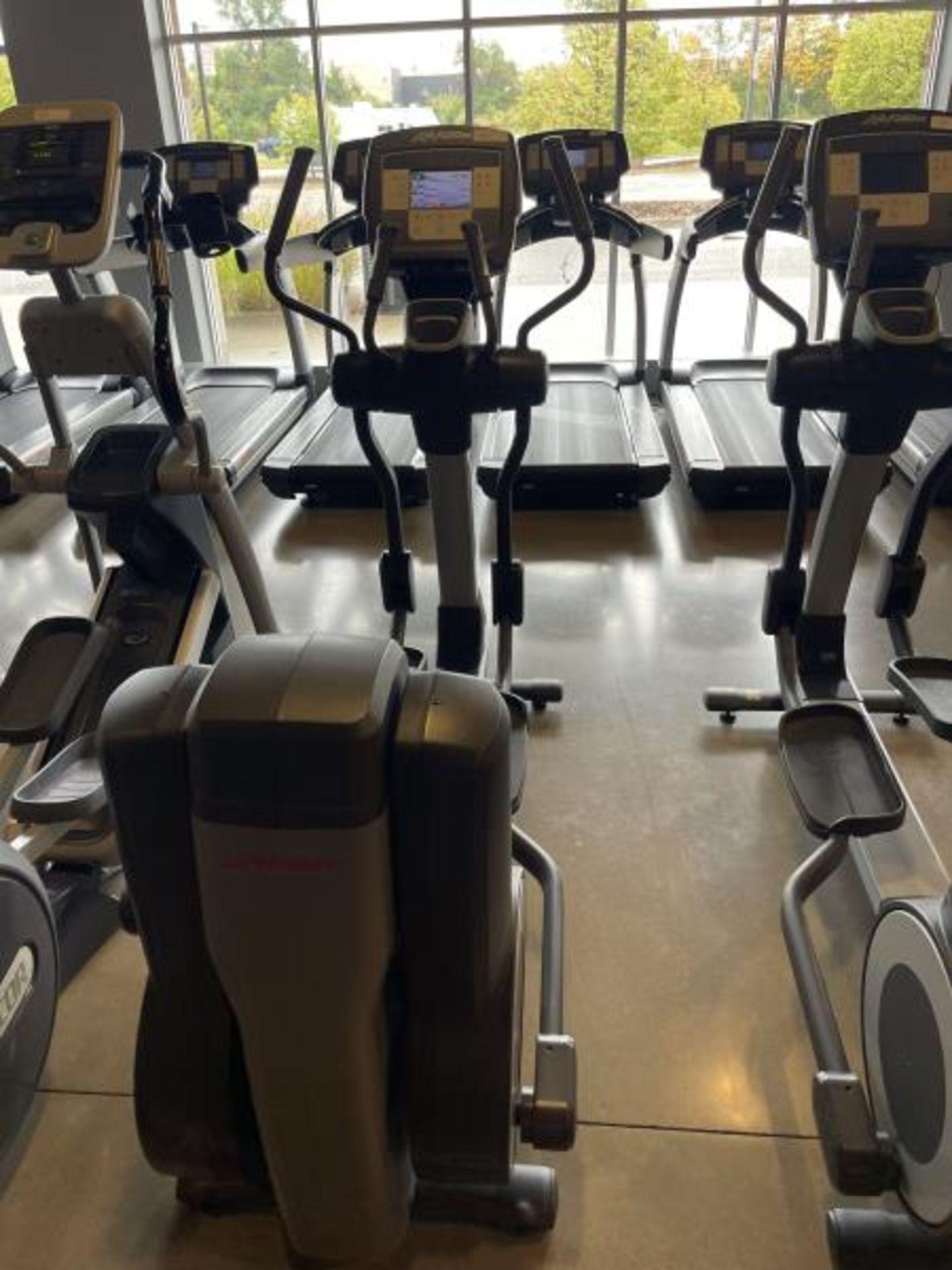 Life Fitness Elliptical M: 95X - Image 5 of 5