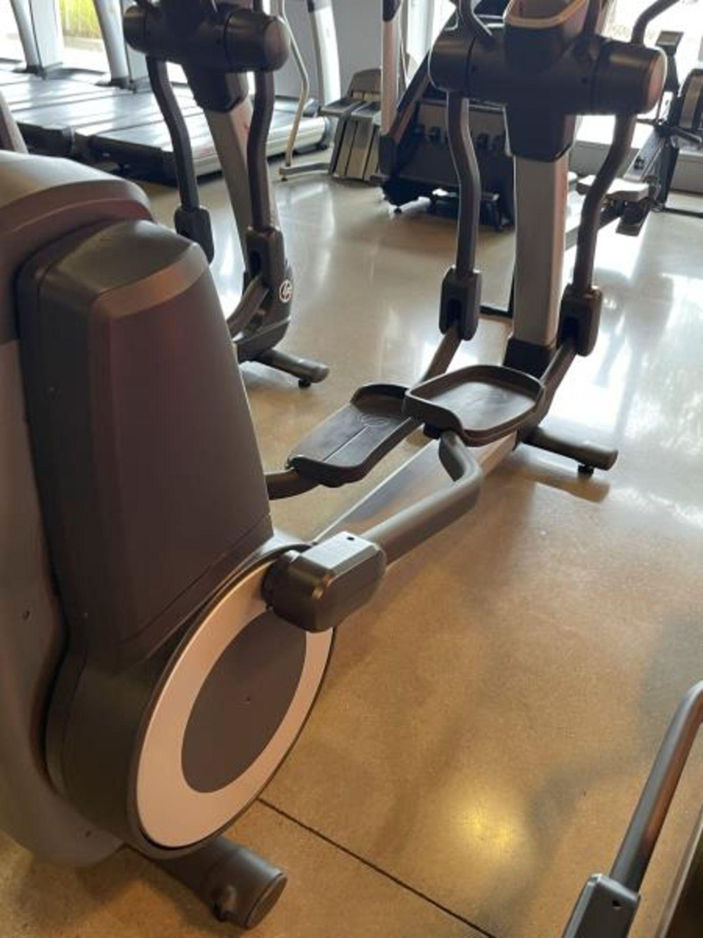 Life Fitness Elliptical M: 95X - Image 3 of 8